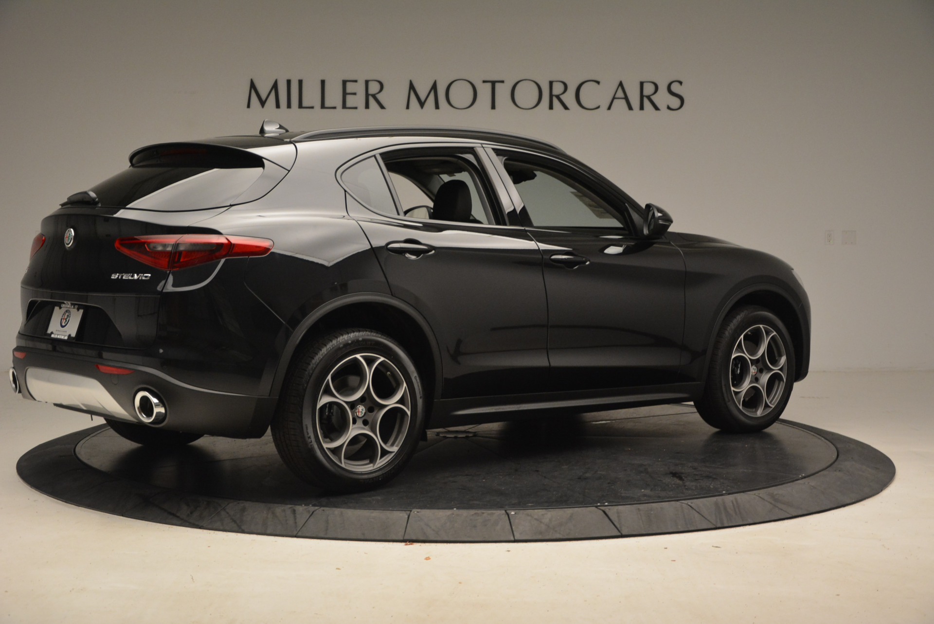 New 2018 Alfa Romeo Stelvio Sport Q4 For Sale In Greenwich, CT 1369_p8