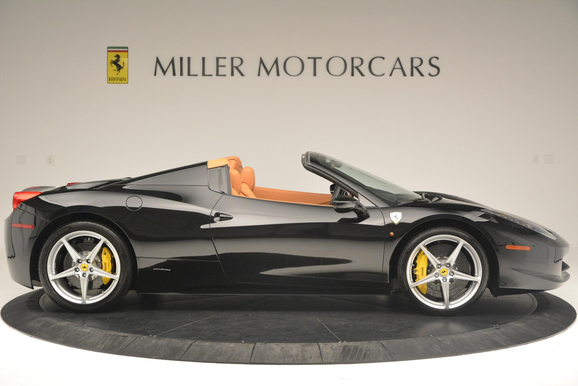 Used 2015 Ferrari 458 Spider  For Sale In Greenwich, CT 137_p9