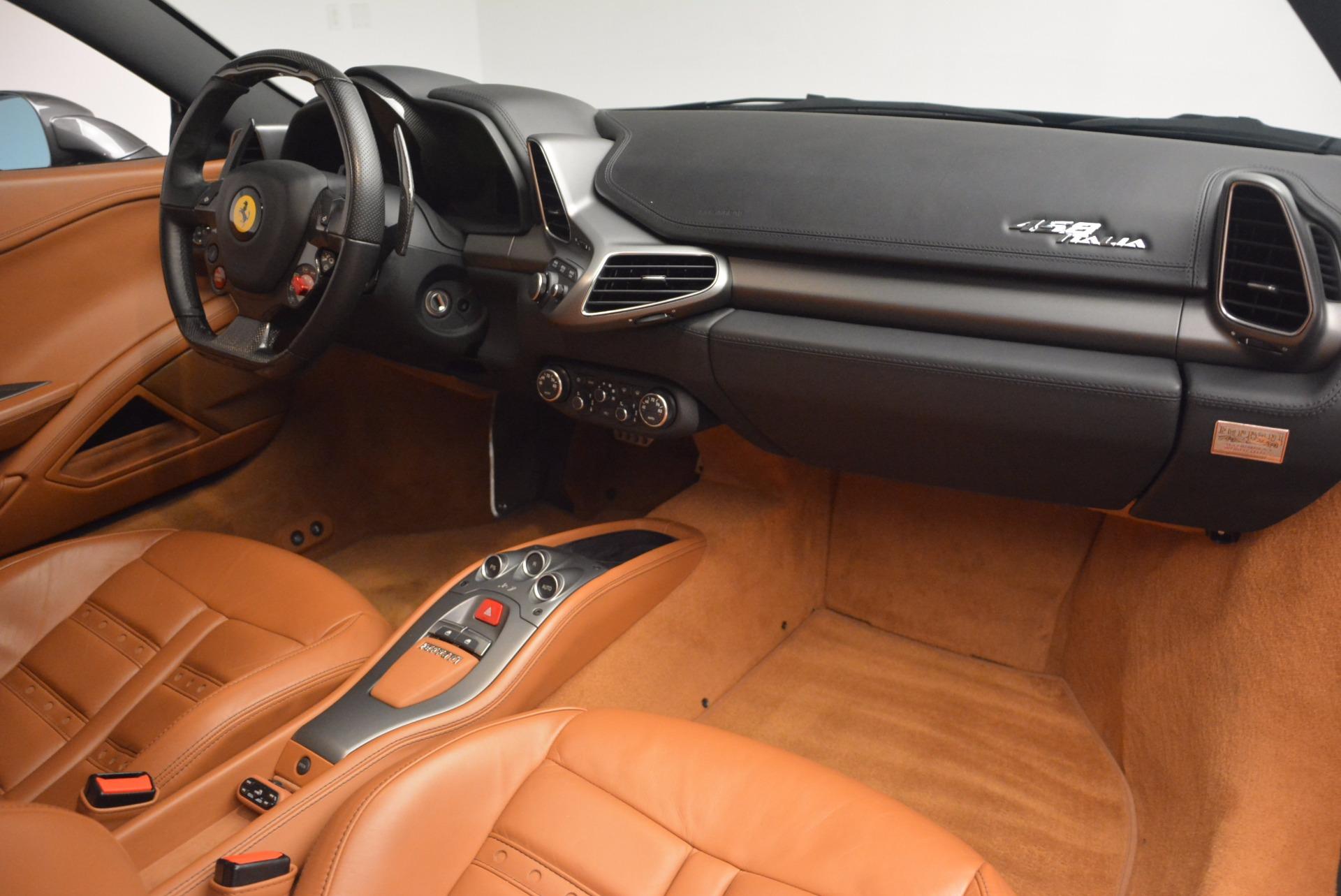 Used 2011 Ferrari 458 Italia  For Sale In Greenwich, CT 1385_p17