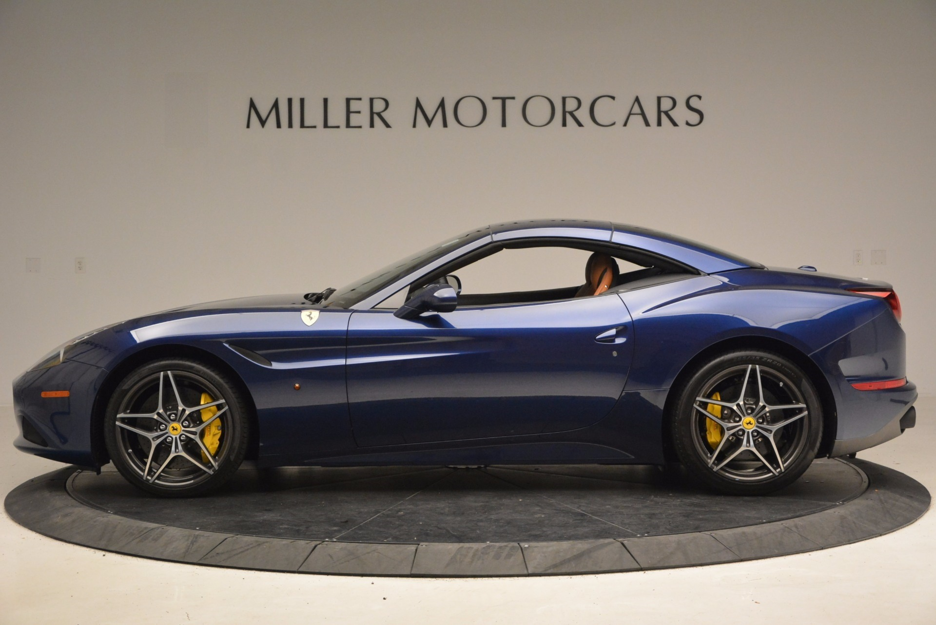Used 2017 Ferrari California T Handling Speciale For Sale In Greenwich, CT 1394_p15