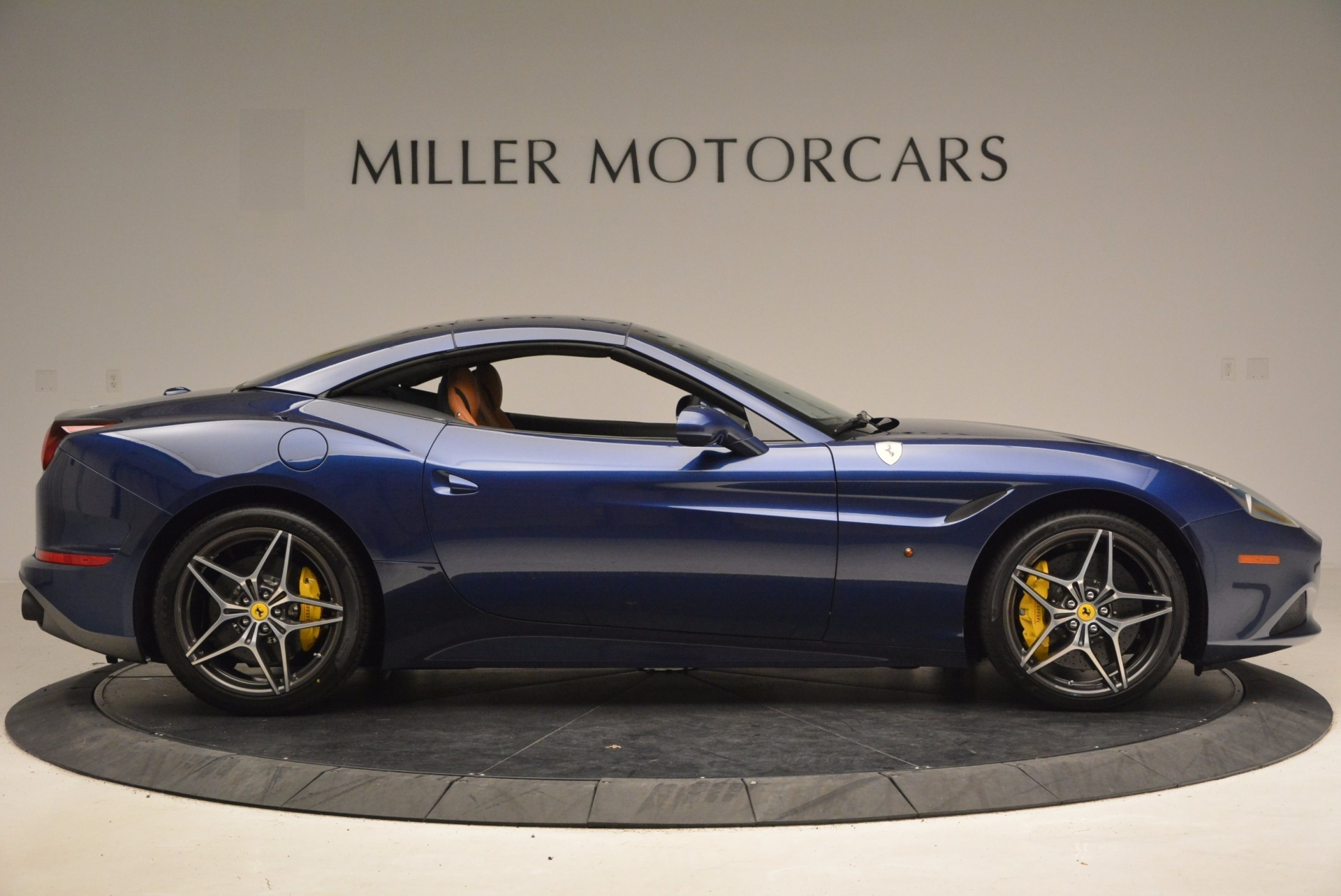 Used 2017 Ferrari California T Handling Speciale For Sale In Greenwich, CT 1394_p21
