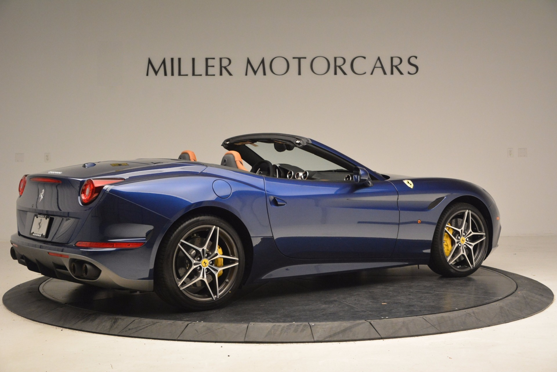 Used 2017 Ferrari California T Handling Speciale For Sale In Greenwich, CT 1394_p8