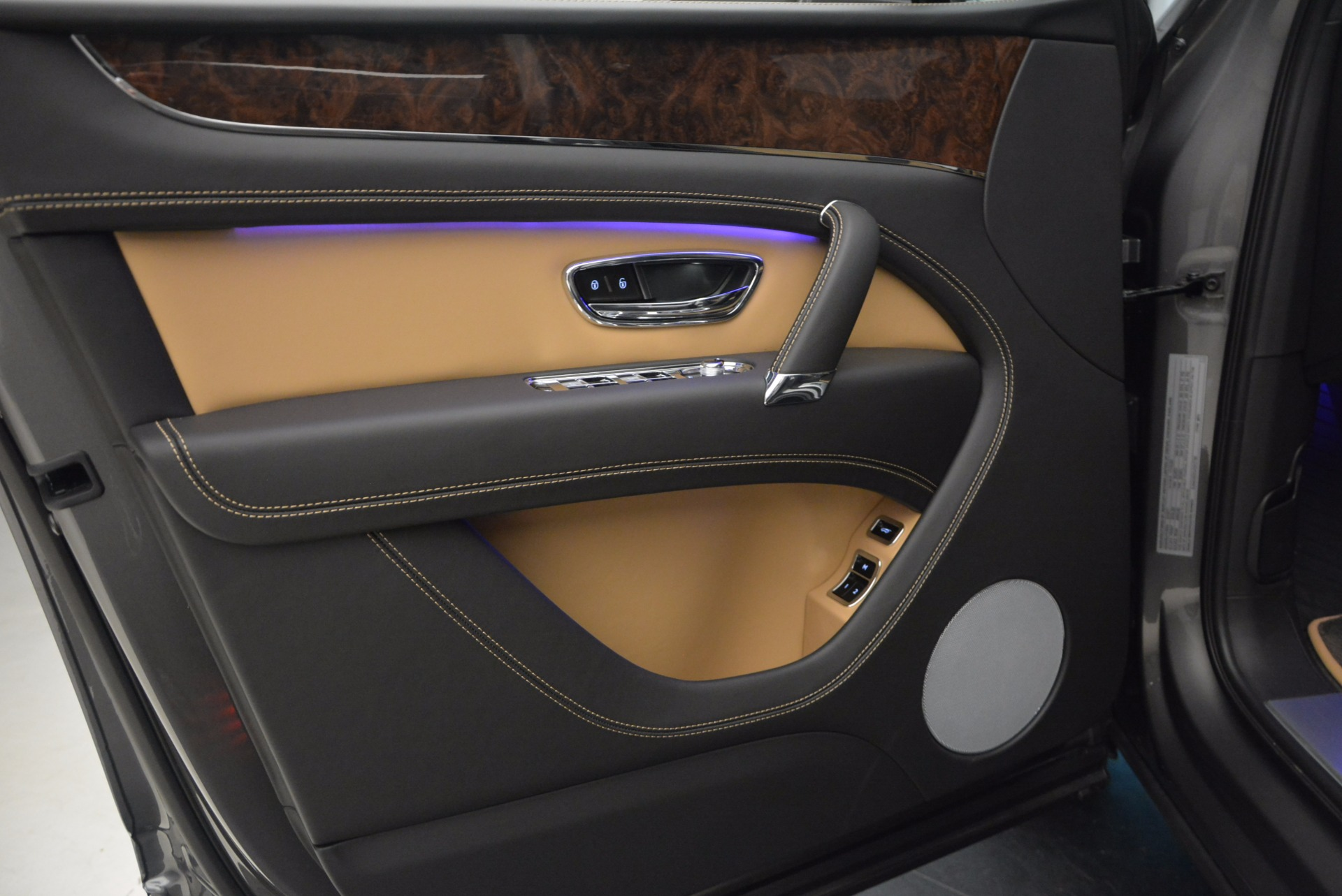 New 2018 Bentley Bentayga Activity Edition-Now with seating for 7!!! For Sale In Greenwich, CT 1396_p23