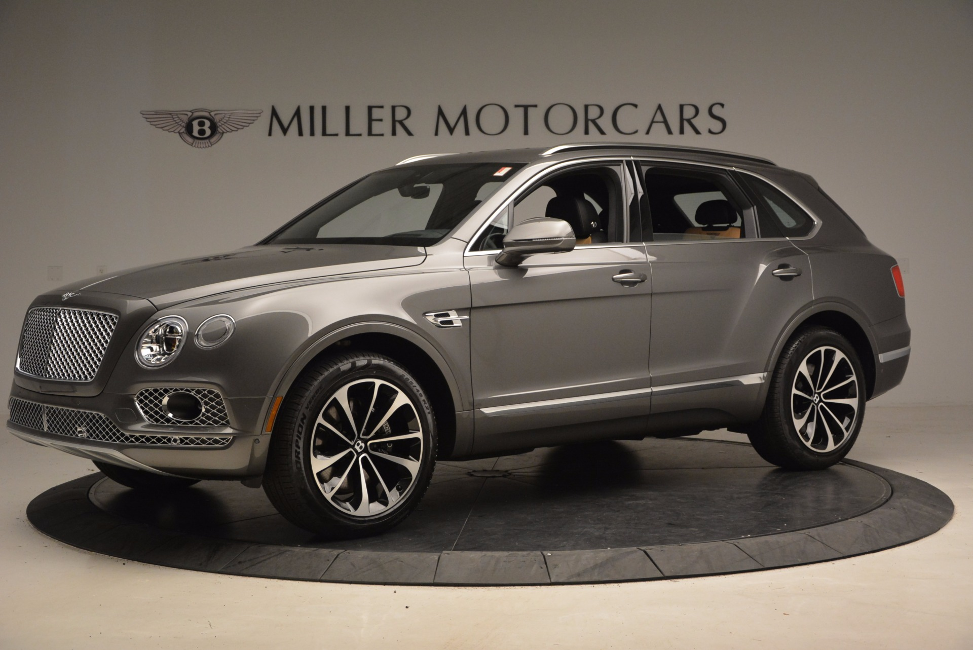 New 2018 Bentley Bentayga Activity Edition-Now with seating for 7!!! For Sale In Greenwich, CT 1396_p2