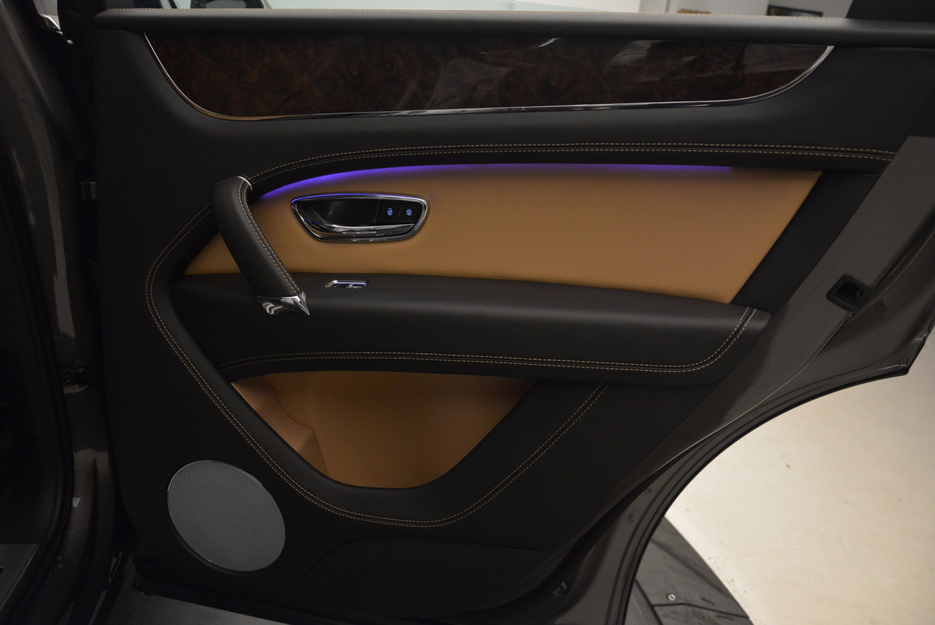 New 2018 Bentley Bentayga Activity Edition-Now with seating for 7!!! For Sale In Greenwich, CT 1396_p38