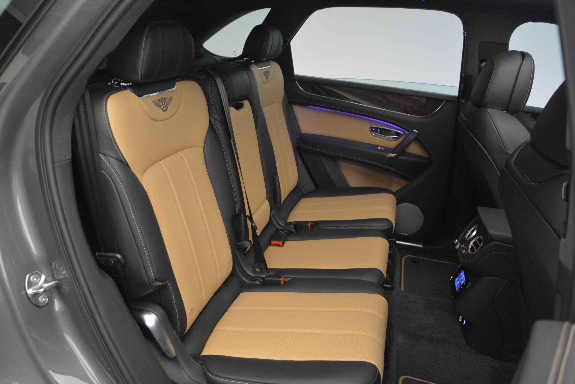 New 2018 Bentley Bentayga Activity Edition-Now with seating for 7!!! For Sale In Greenwich, CT 1396_p41