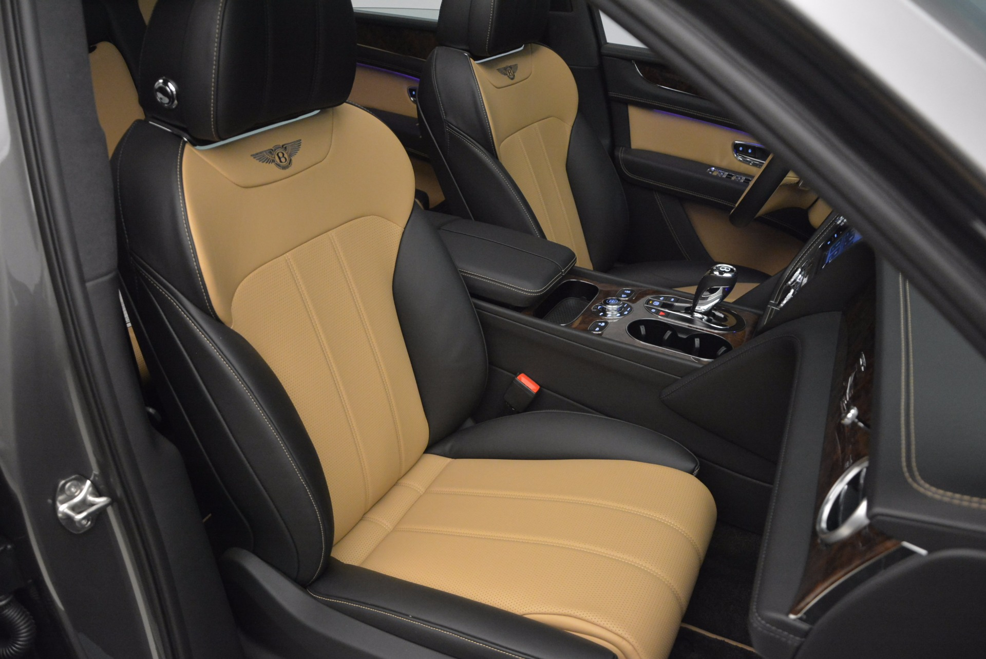 New 2018 Bentley Bentayga Activity Edition-Now with seating for 7!!! For Sale In Greenwich, CT 1396_p43