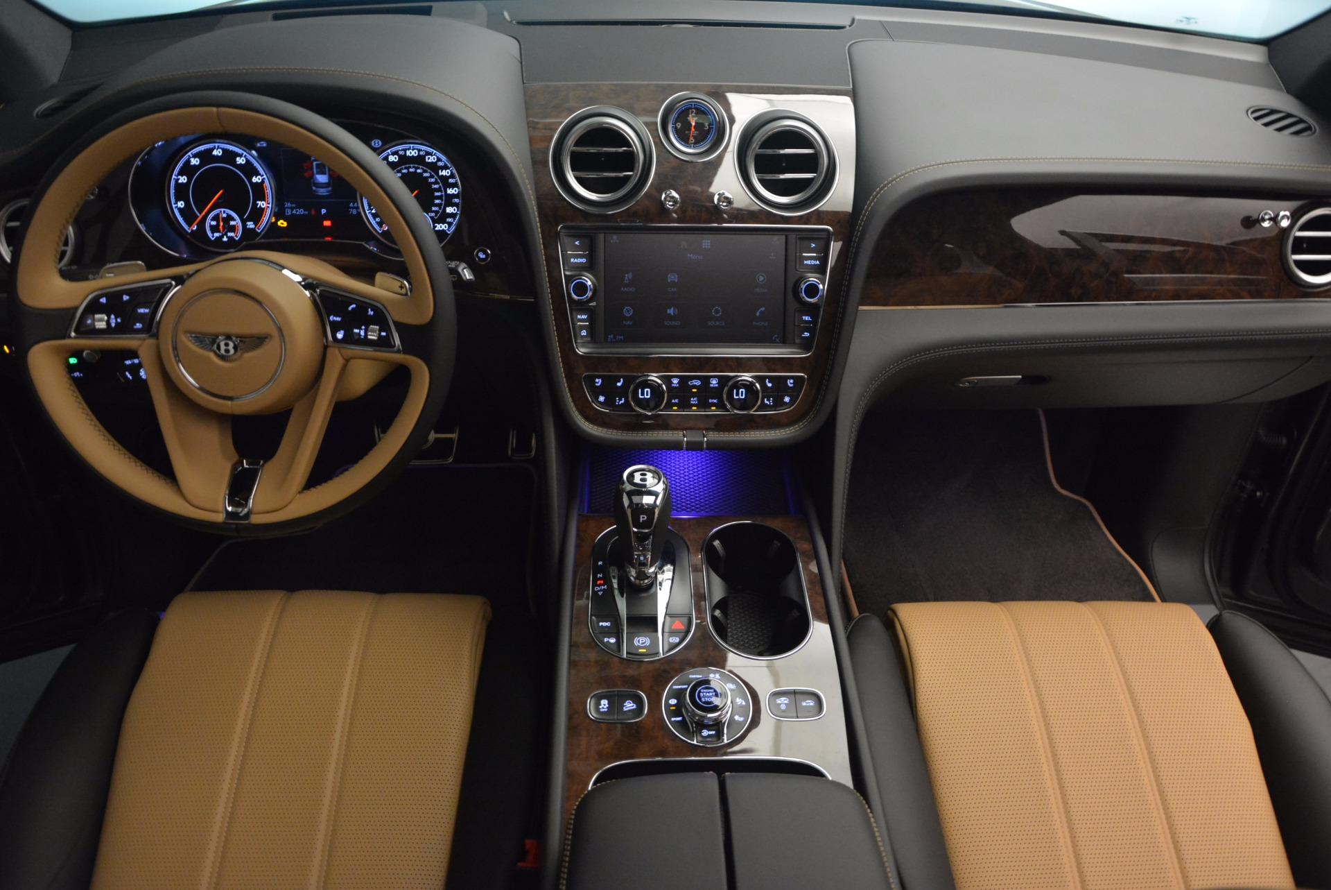 New 2018 Bentley Bentayga Activity Edition-Now with seating for 7!!! For Sale In Greenwich, CT 1396_p47