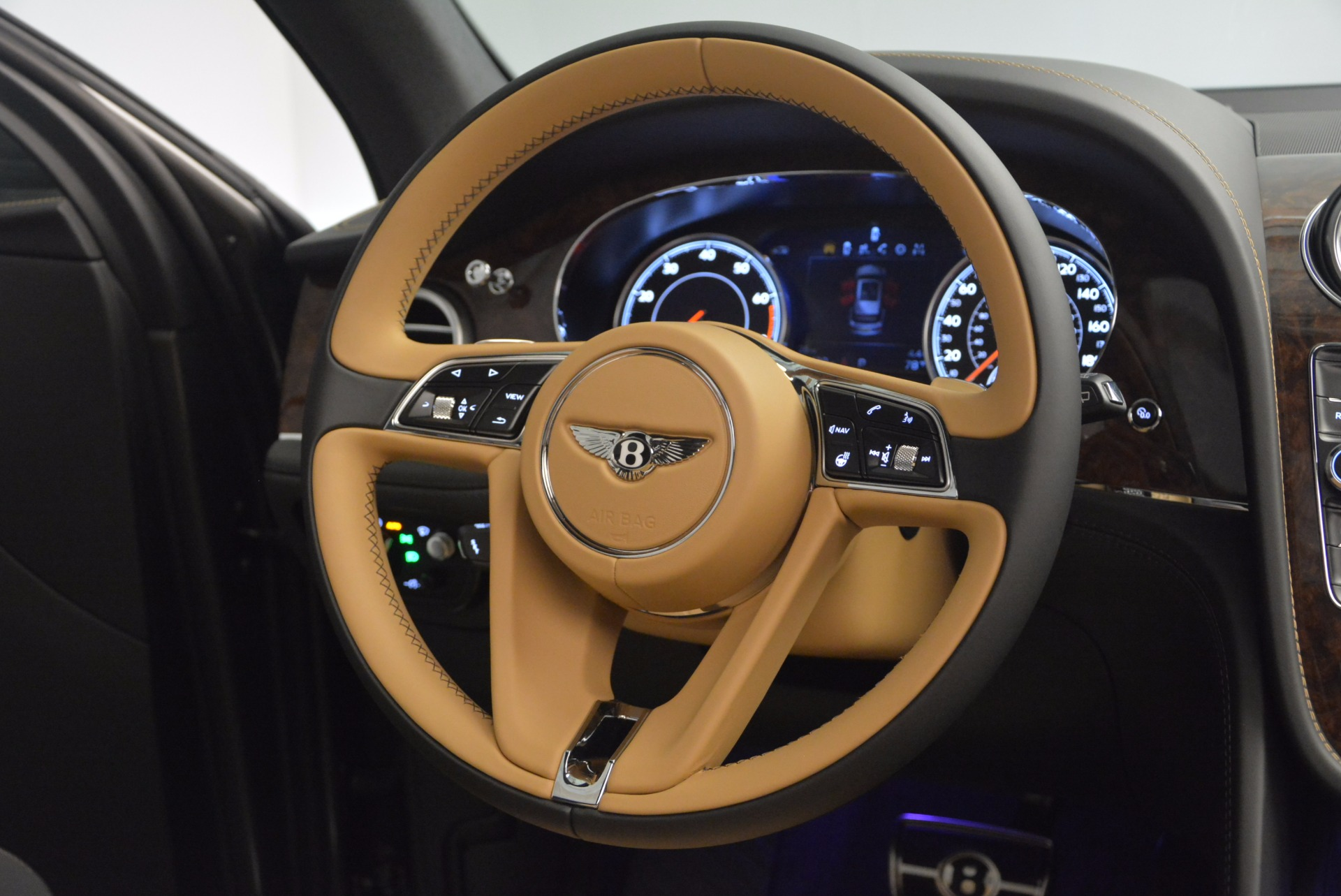 New 2018 Bentley Bentayga Activity Edition-Now with seating for 7!!! For Sale In Greenwich, CT 1396_p52