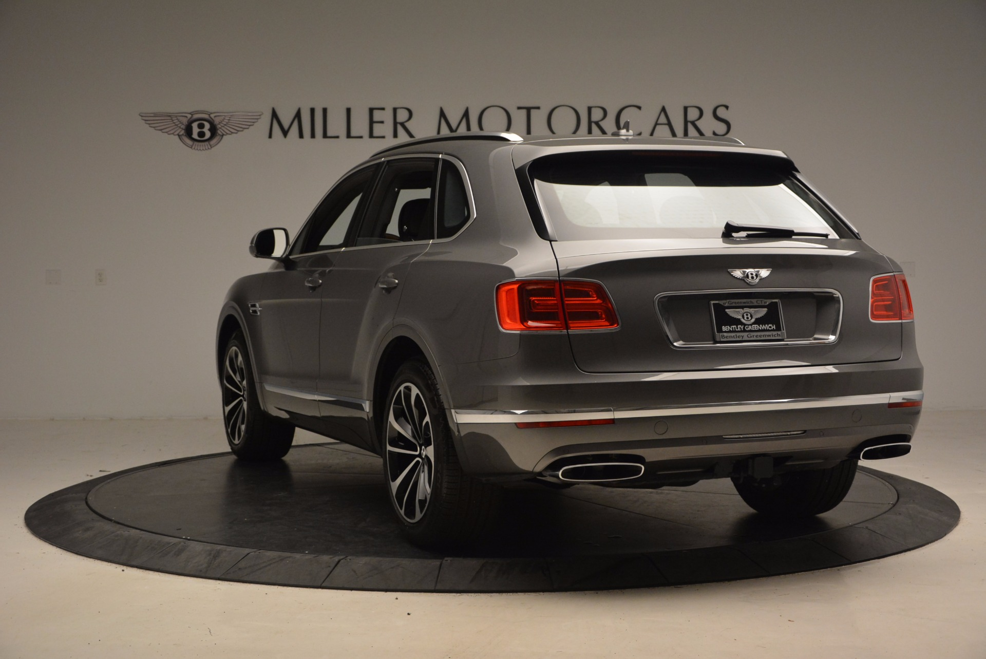 New 2018 Bentley Bentayga Activity Edition-Now with seating for 7!!! For Sale In Greenwich, CT 1396_p6