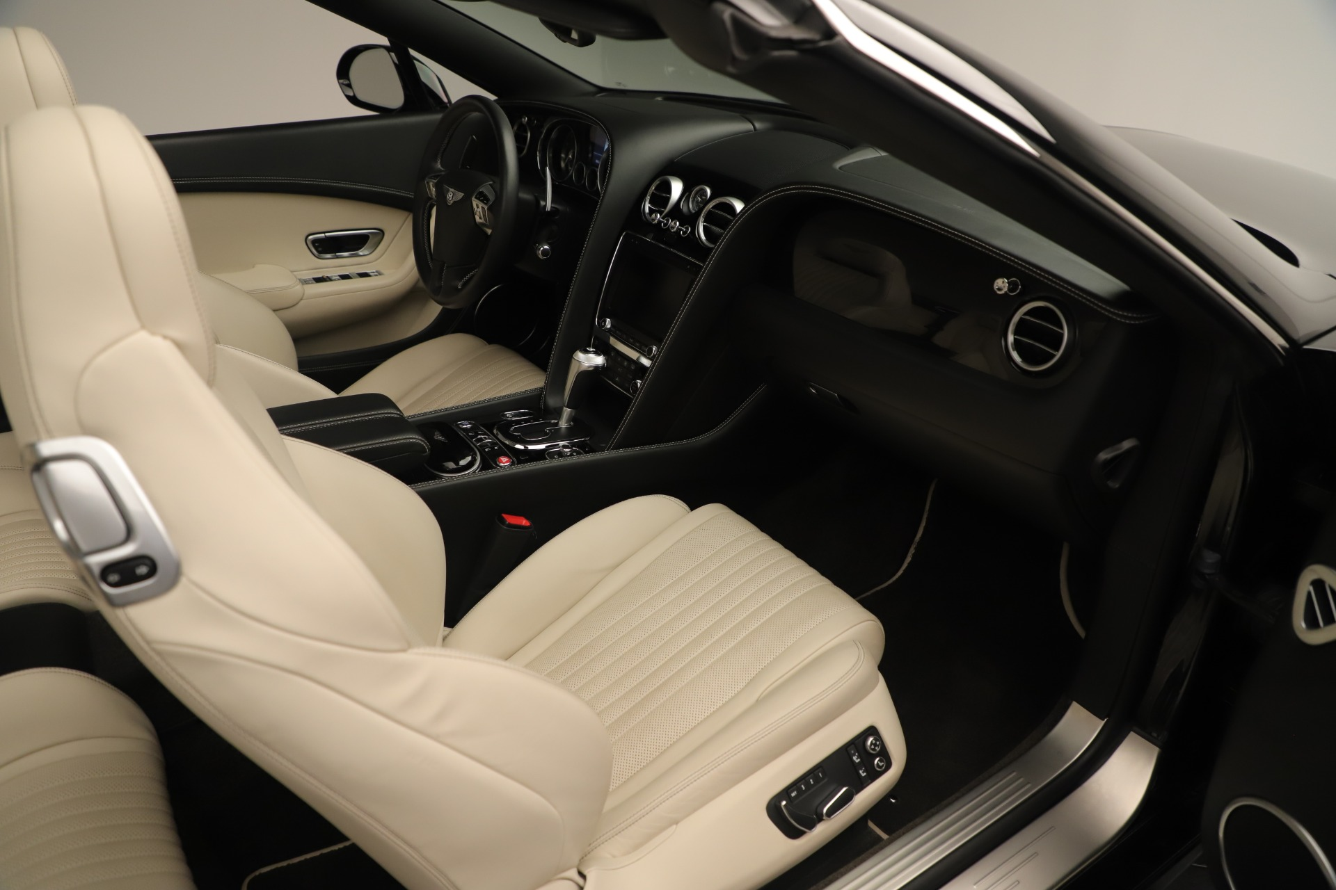 Used 2016 Bentley Continental GT V8 S For Sale In Greenwich, CT 14_p32