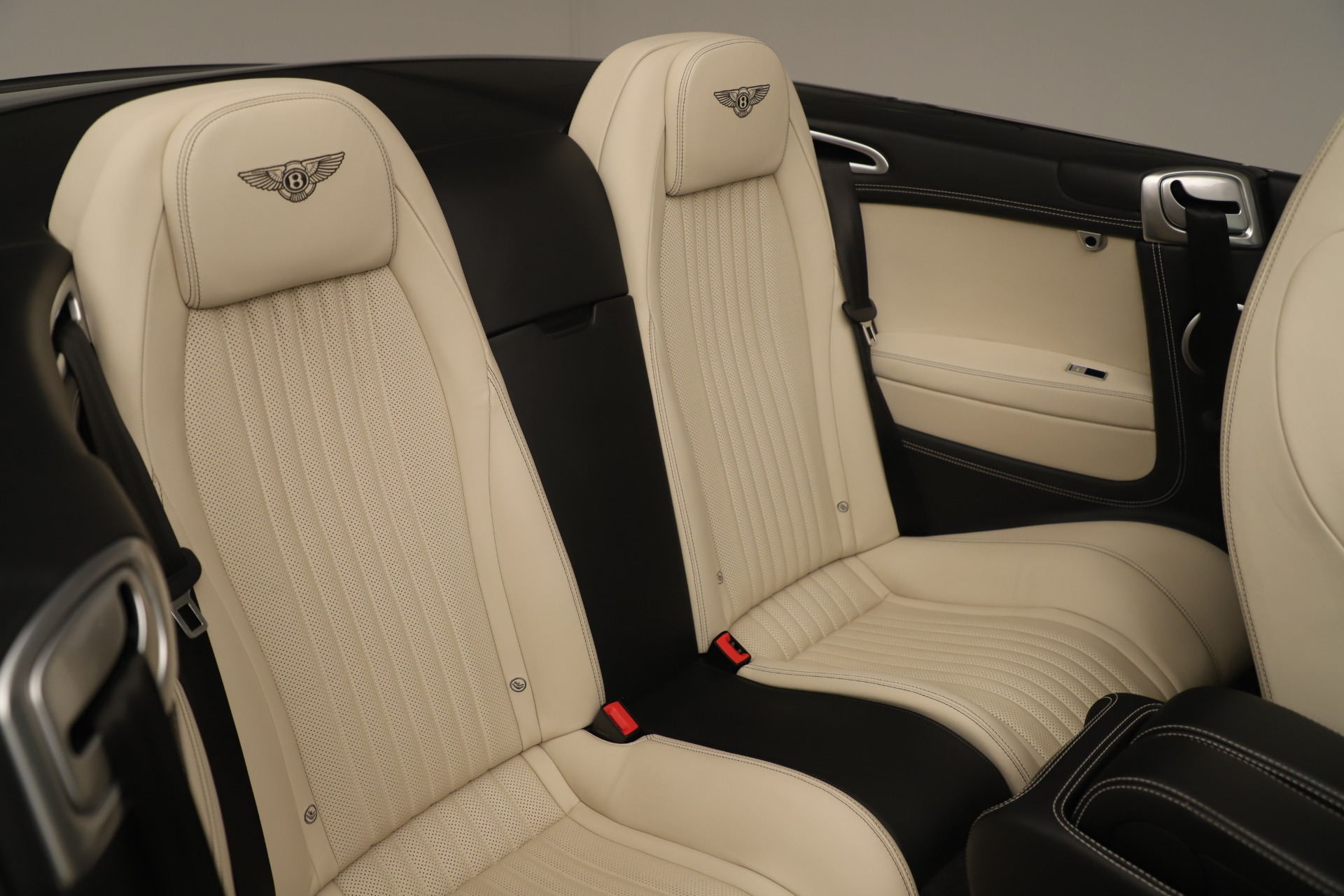 Used 2016 Bentley Continental GT V8 S Convertible  For Sale In Greenwich, CT 14_p33