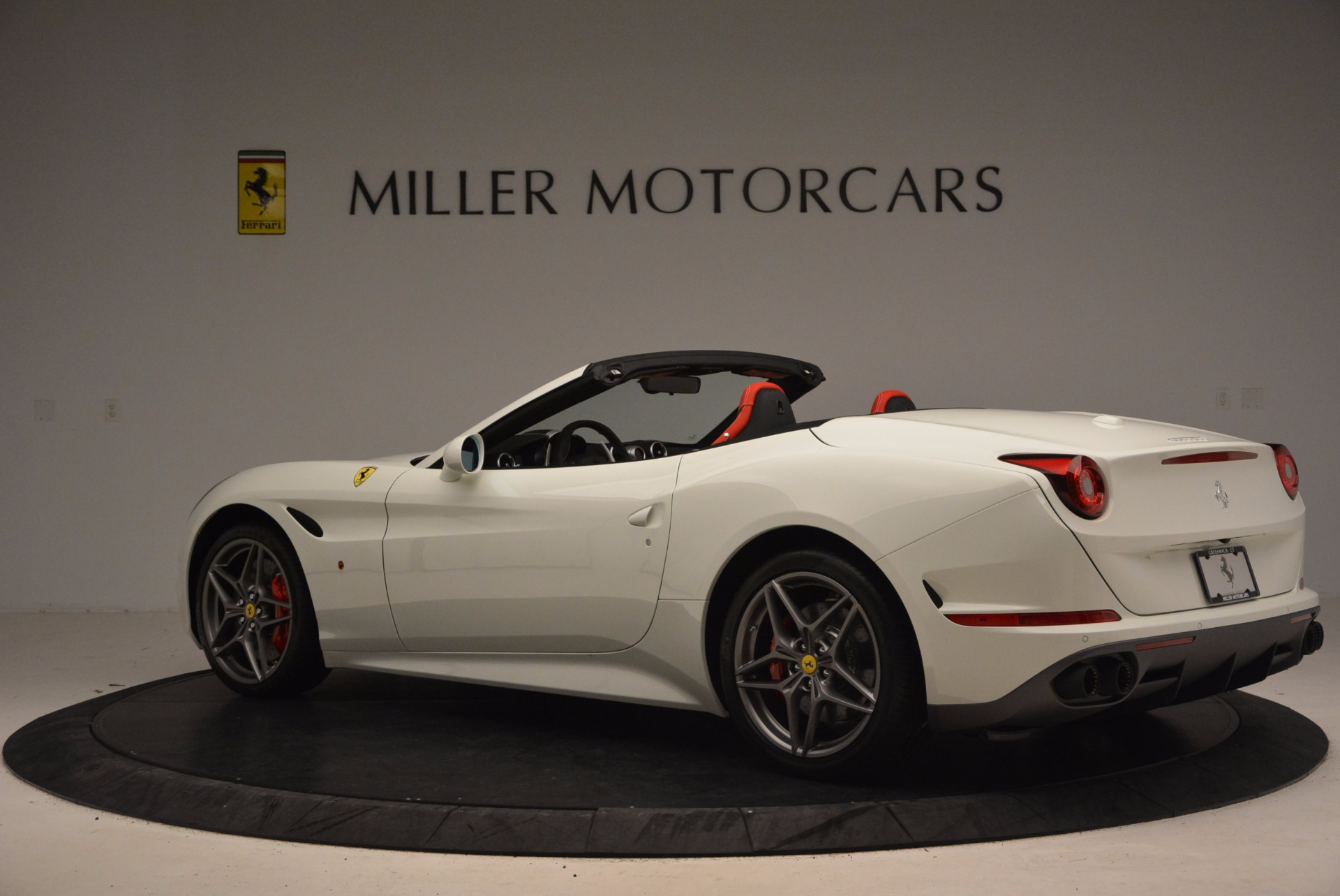 Used 2017 Ferrari California T  For Sale In Greenwich, CT 1412_p4