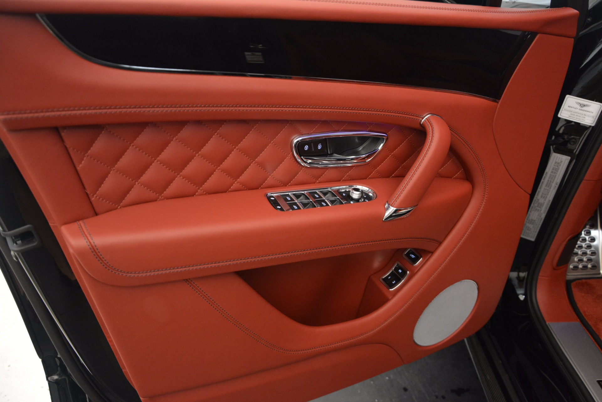 New 2018 Bentley Bentayga Black Edition For Sale In Greenwich, CT 1418_p26
