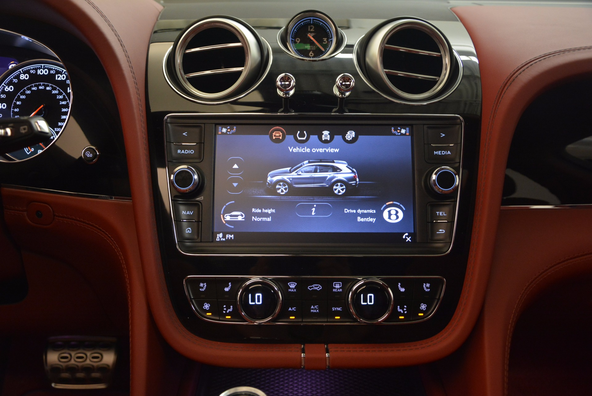 New 2018 Bentley Bentayga Black Edition For Sale In Greenwich, CT 1418_p37