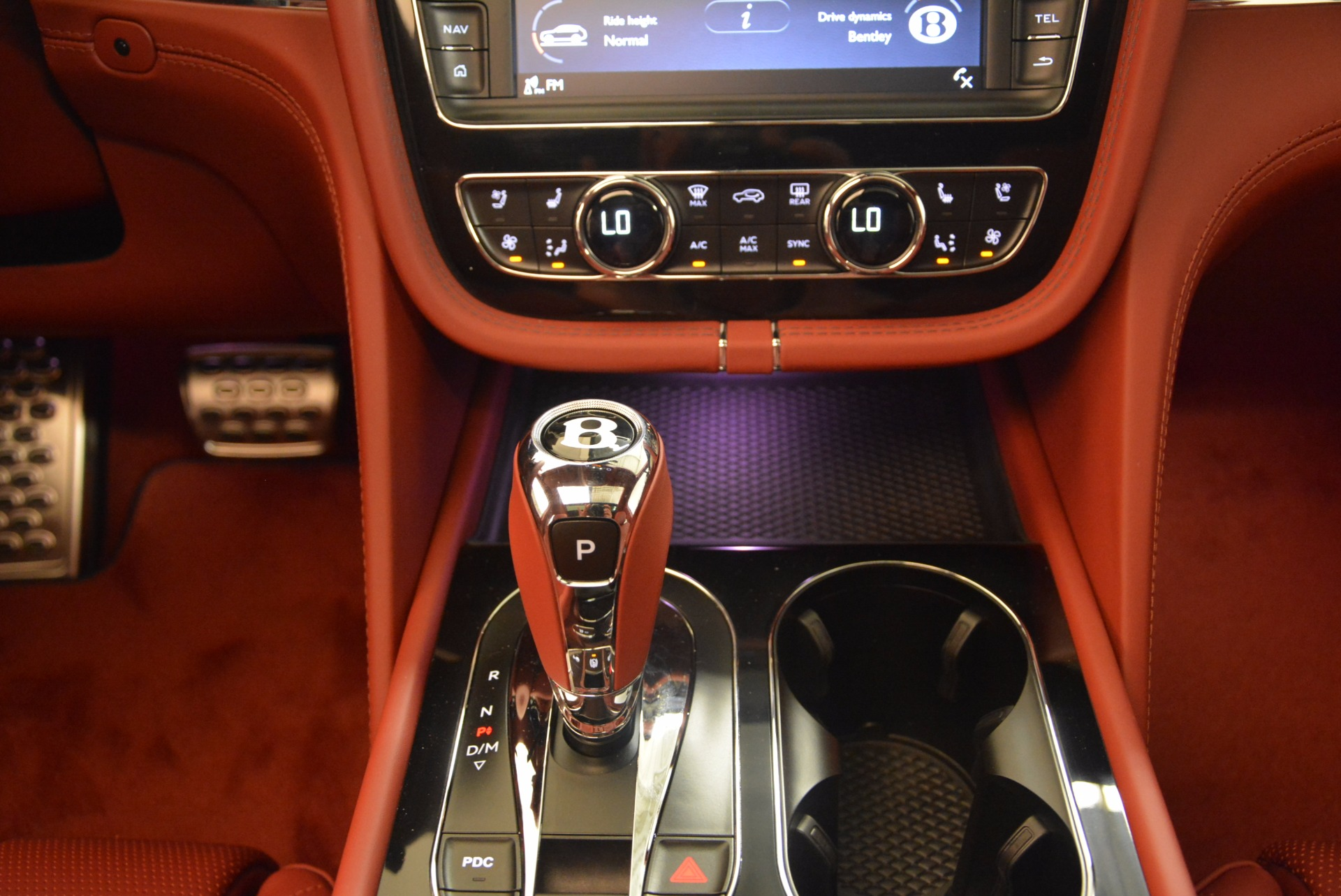 New 2018 Bentley Bentayga Black Edition For Sale In Greenwich, CT 1418_p38