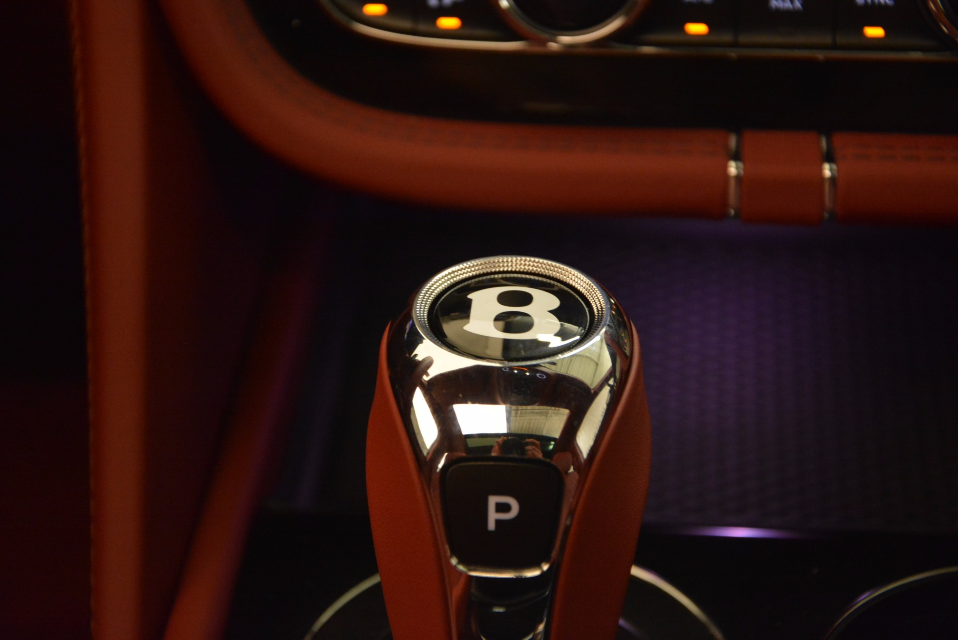 New 2018 Bentley Bentayga Black Edition For Sale In Greenwich, CT 1418_p39