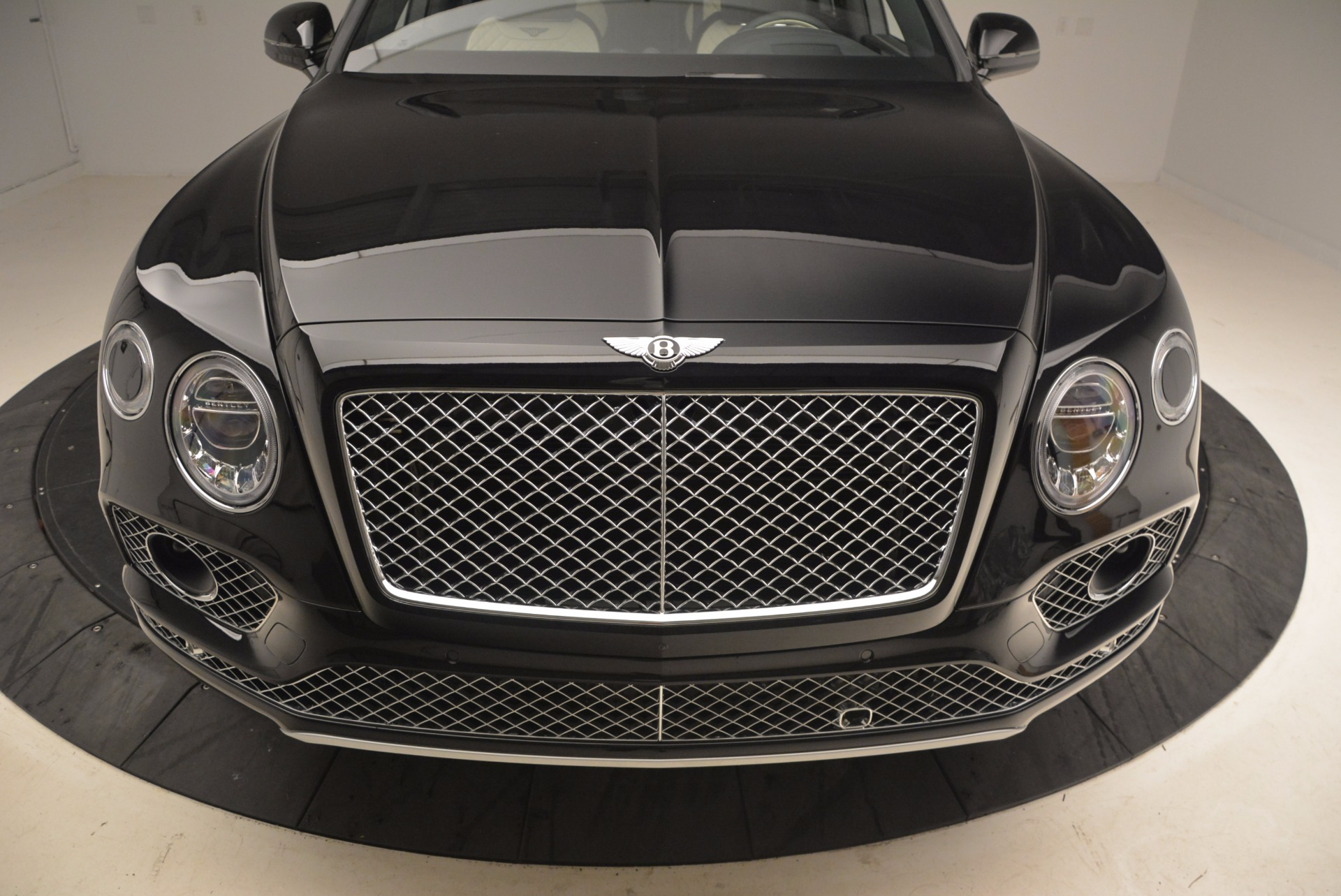 New 2018 Bentley Bentayga Signature For Sale In Greenwich, CT 1424_p13