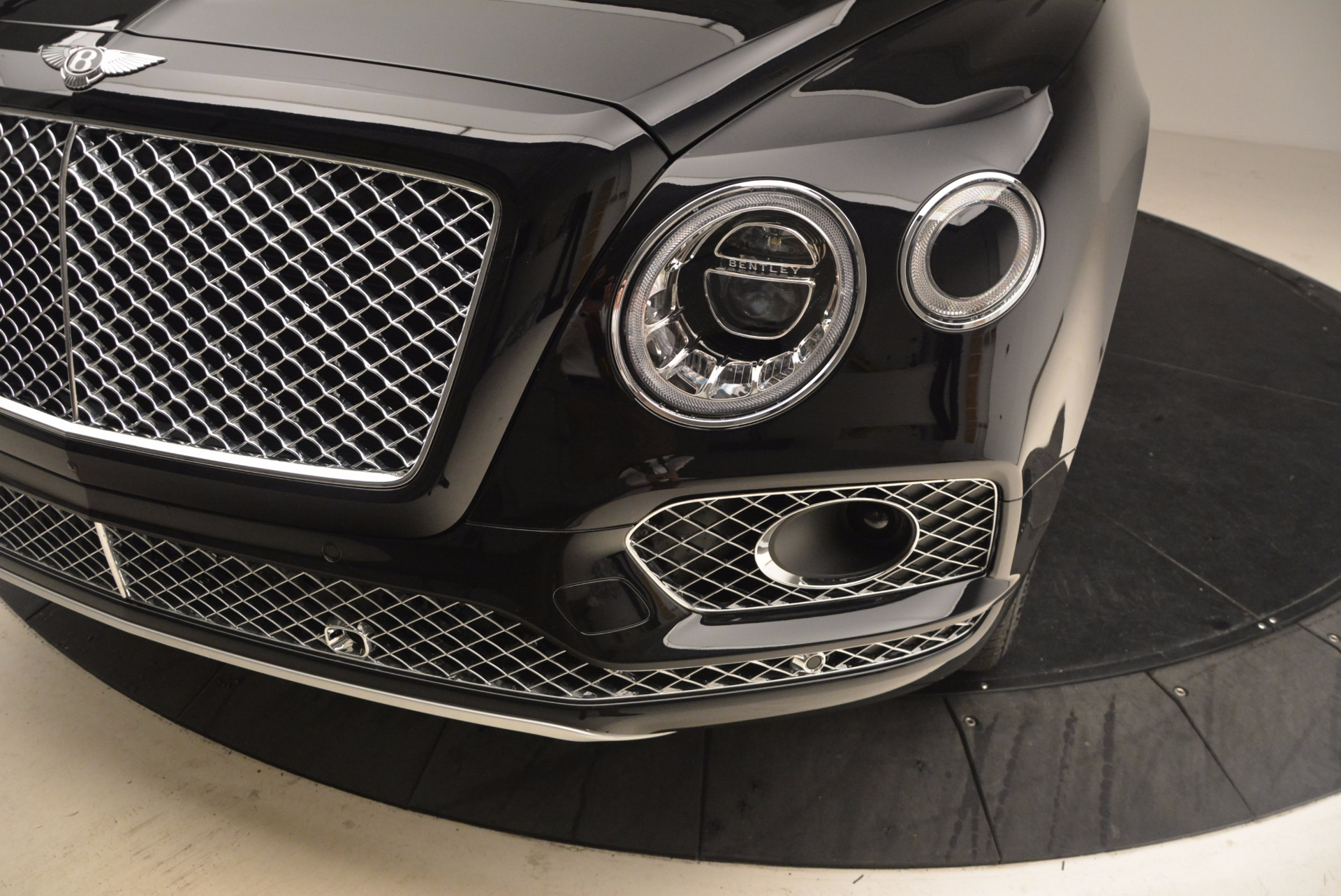 New 2018 Bentley Bentayga Signature For Sale In Greenwich, CT 1424_p14