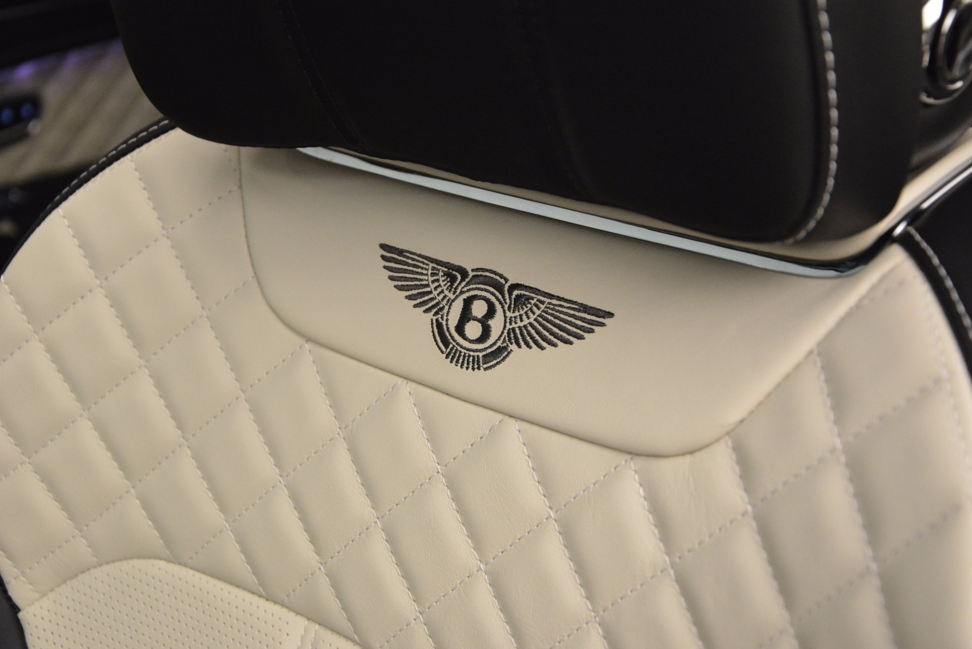 New 2018 Bentley Bentayga Signature For Sale In Greenwich, CT 1424_p27