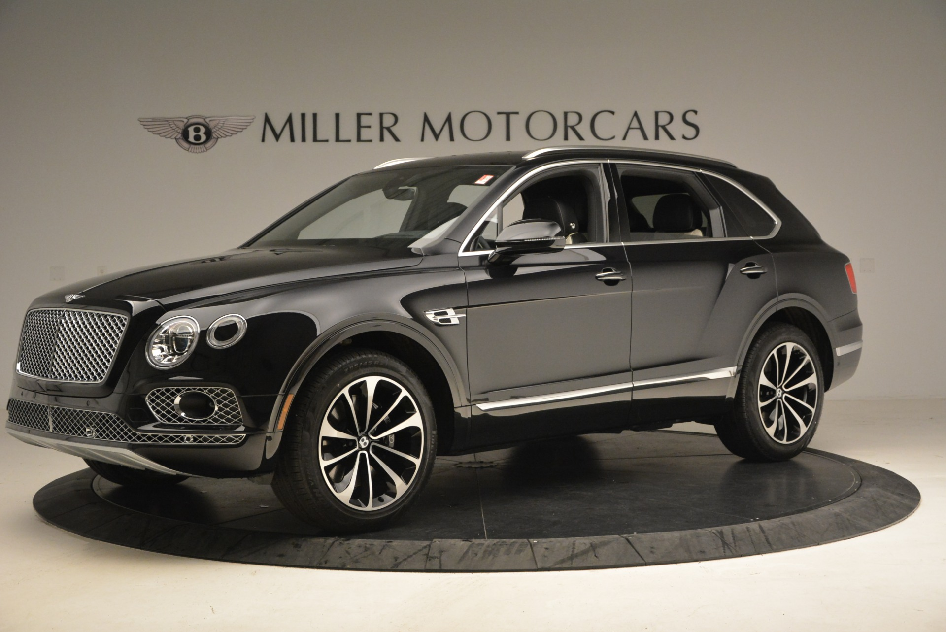 New 2018 Bentley Bentayga Signature For Sale In Greenwich, CT 1424_p2