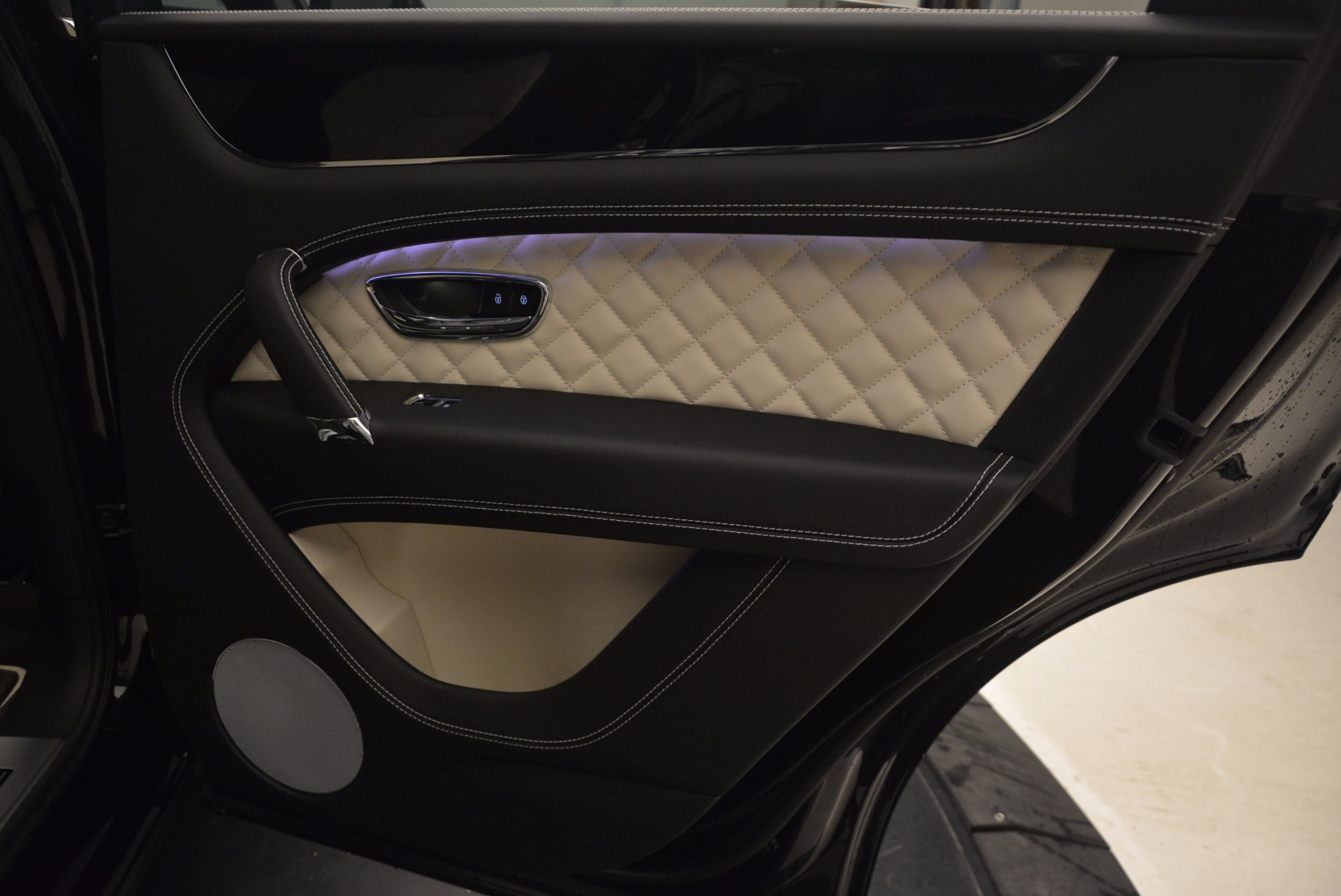 New 2018 Bentley Bentayga Signature For Sale In Greenwich, CT 1424_p37
