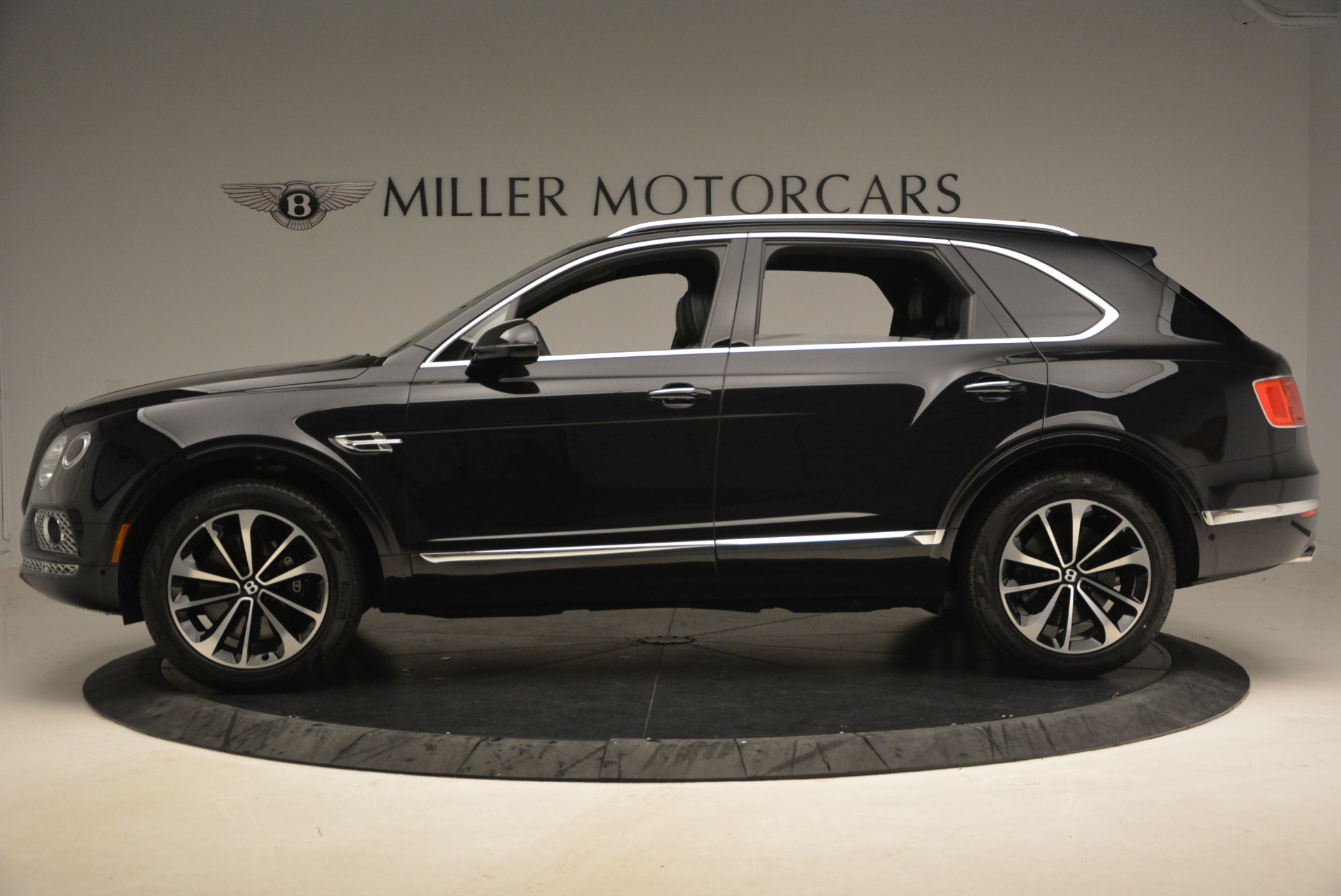 New 2018 Bentley Bentayga Signature For Sale In Greenwich, CT 1424_p3