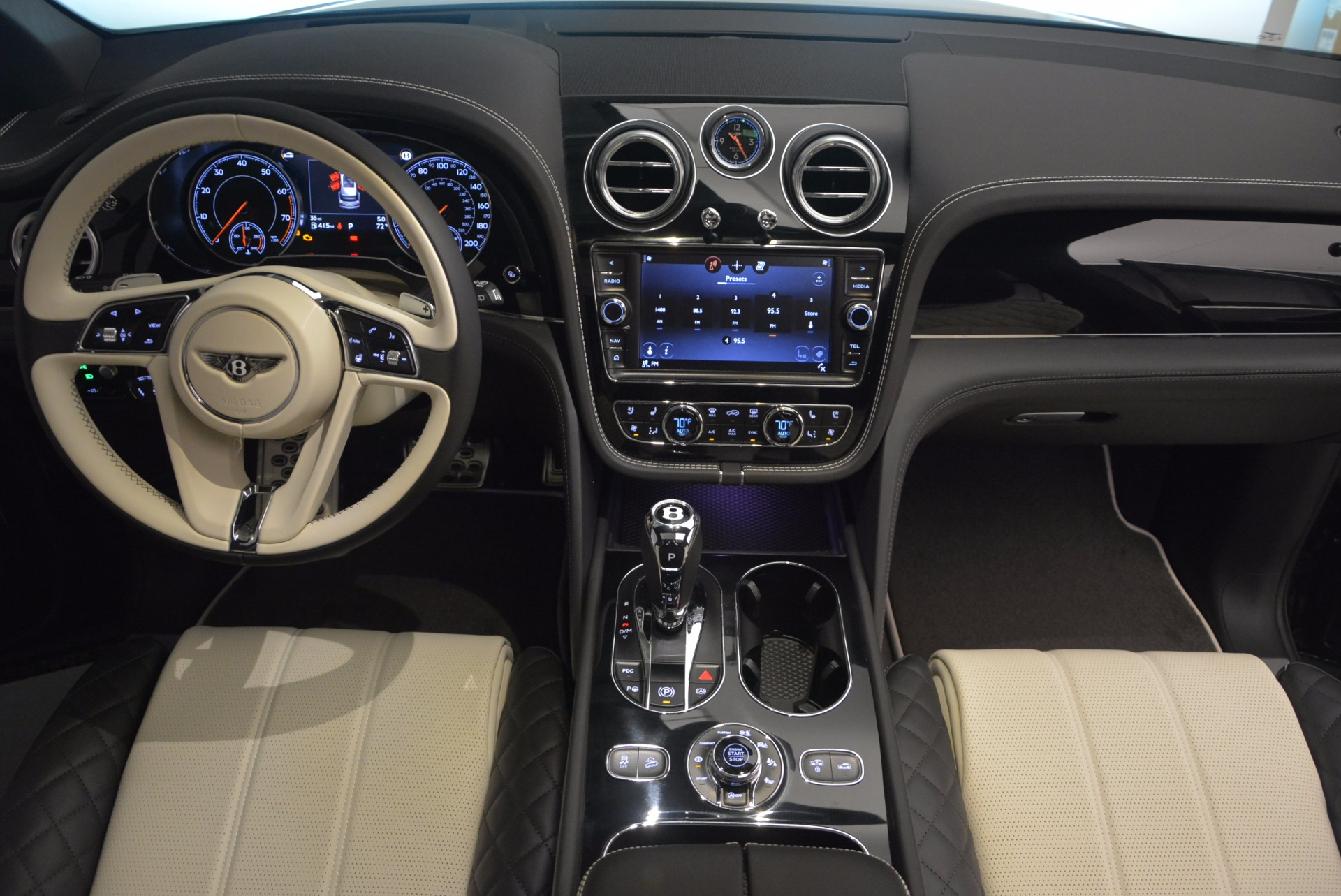 New 2018 Bentley Bentayga Signature For Sale In Greenwich, CT 1424_p46