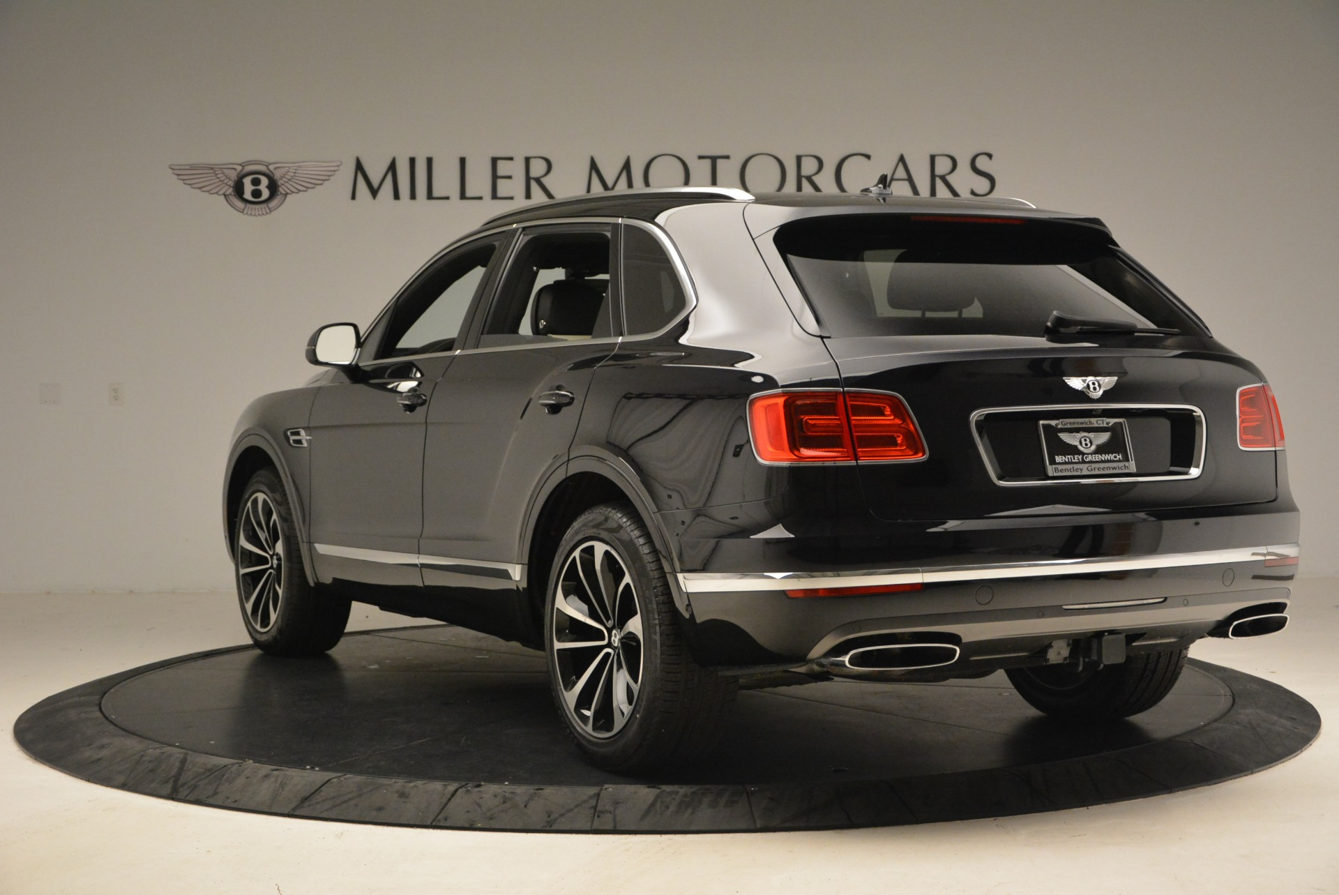 New 2018 Bentley Bentayga Signature For Sale In Greenwich, CT 1424_p5