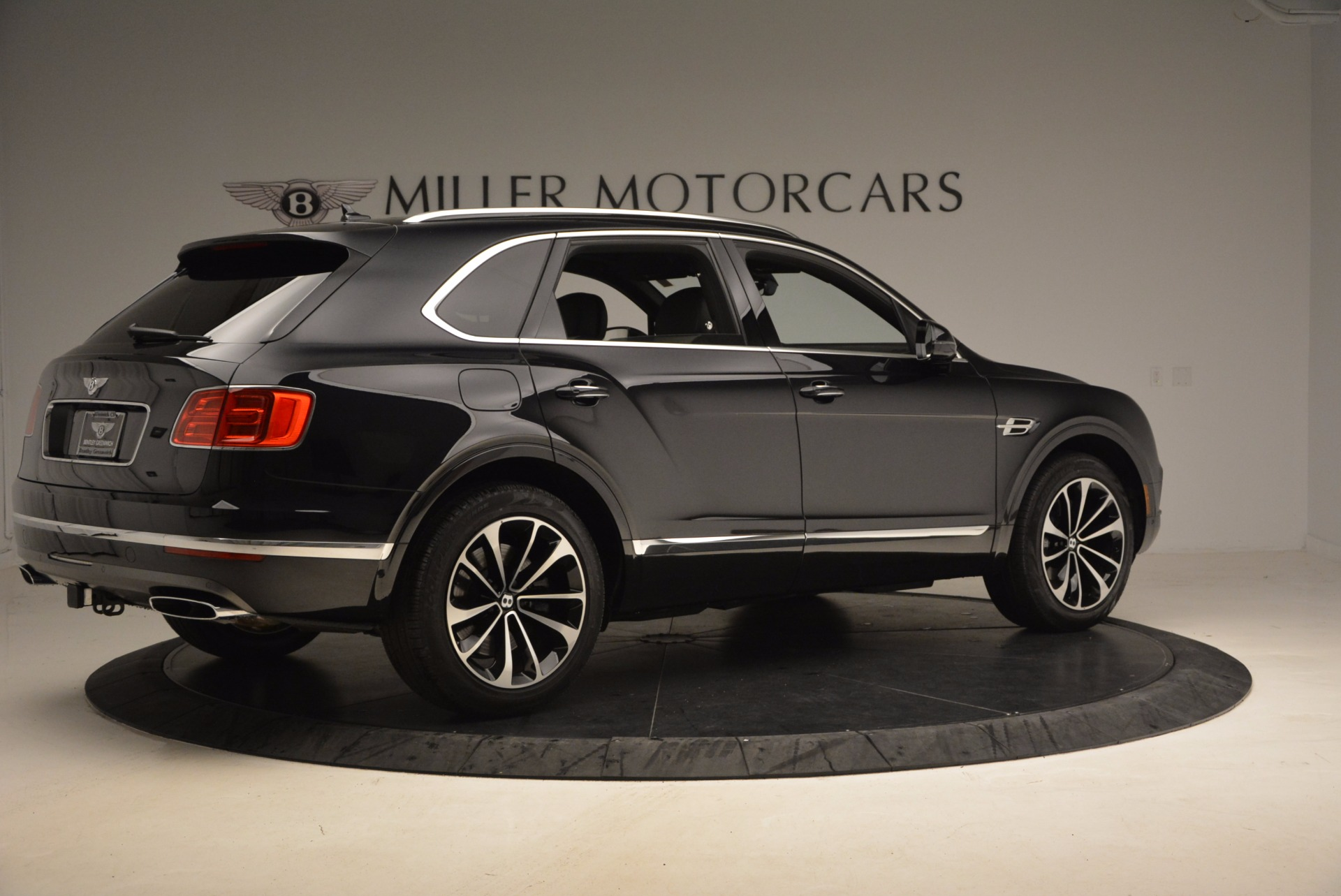 New 2018 Bentley Bentayga Signature For Sale In Greenwich, CT 1424_p8