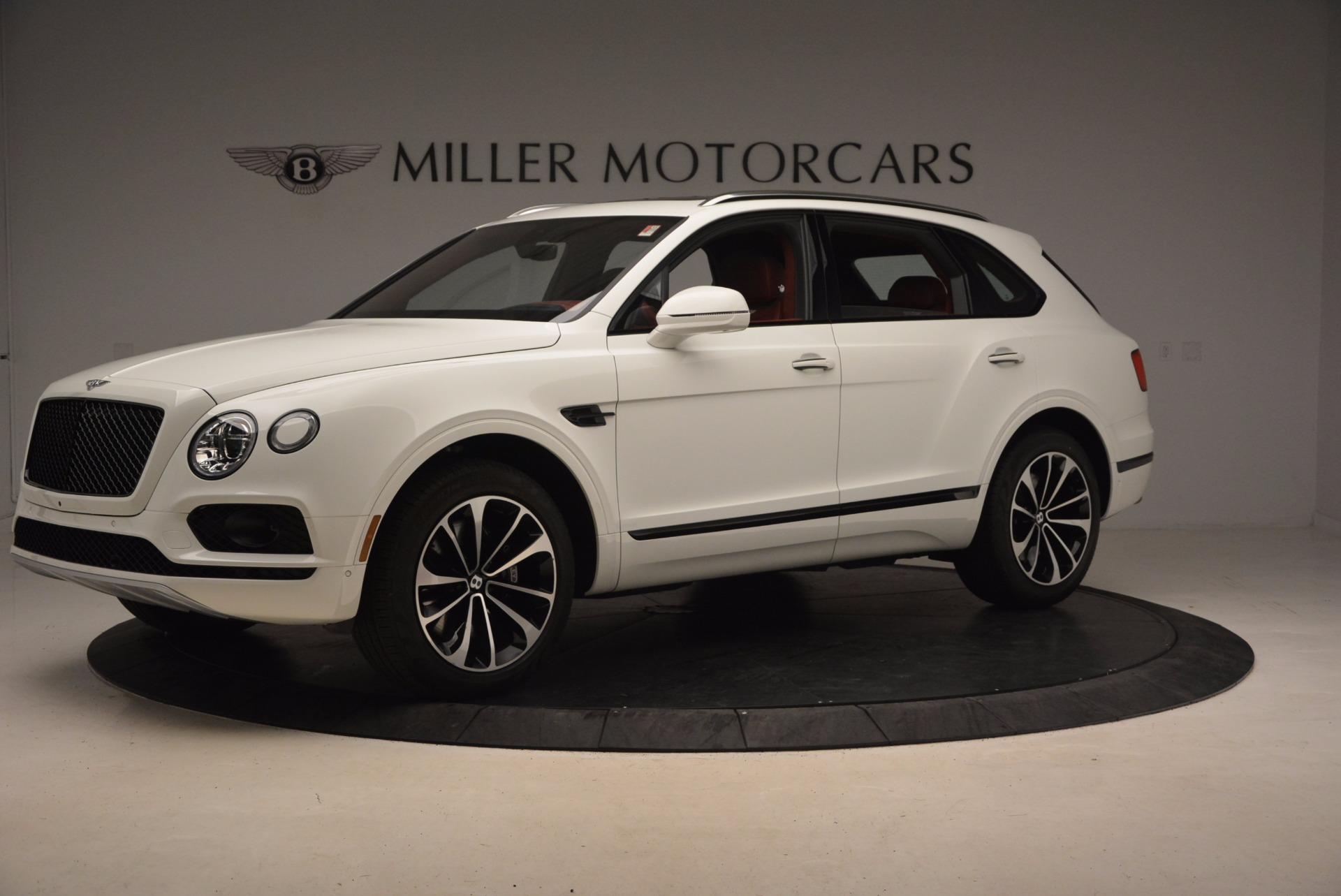 New 2018 Bentley Bentayga Onyx For Sale In Greenwich, CT 1425_p2