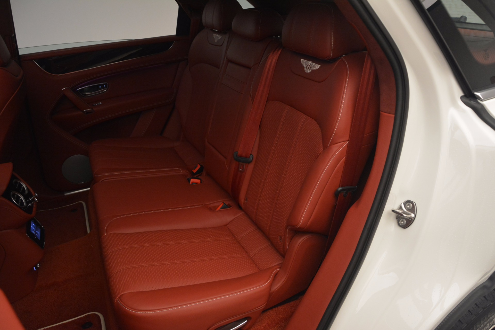 New 2018 Bentley Bentayga Onyx For Sale In Greenwich, CT 1425_p34