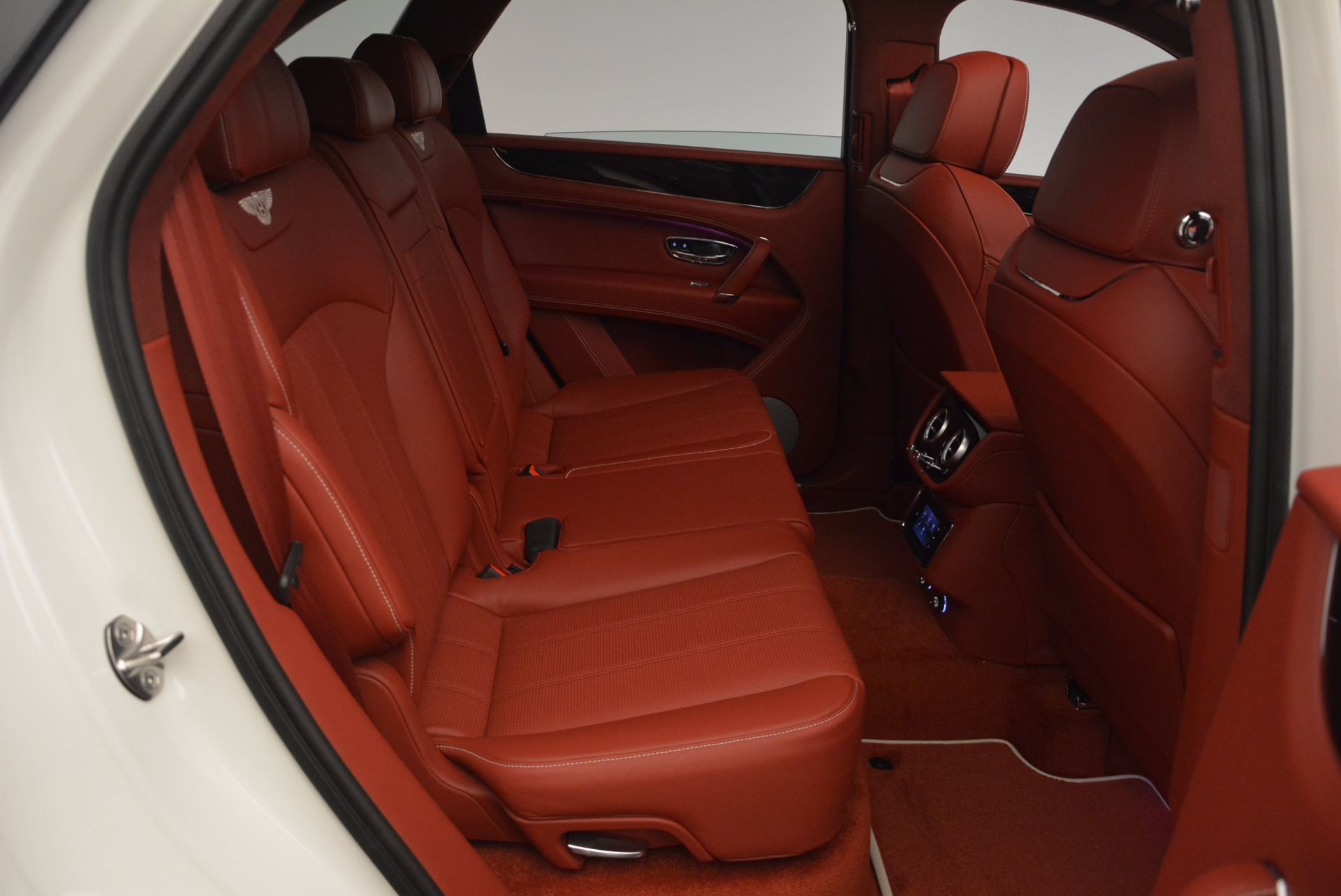 New 2018 Bentley Bentayga Onyx For Sale In Greenwich, CT 1425_p40