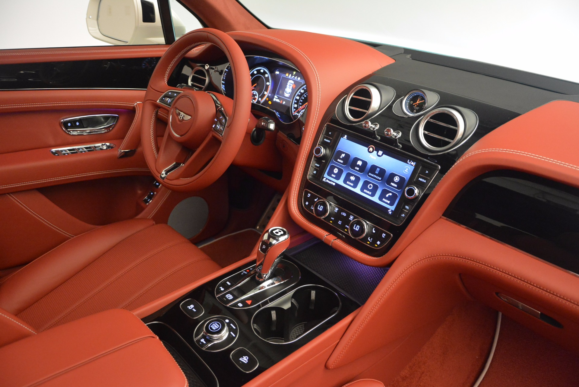 New 2018 Bentley Bentayga Onyx For Sale In Greenwich, CT 1425_p46
