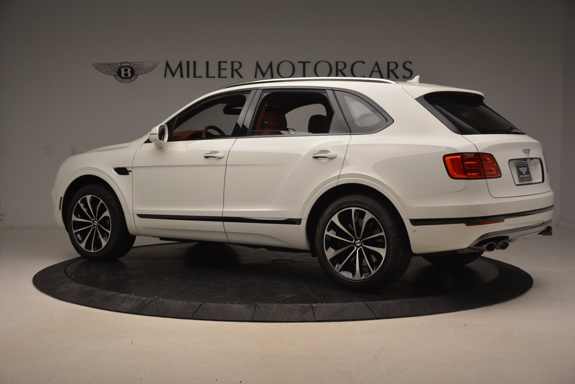 New 2018 Bentley Bentayga Onyx For Sale In Greenwich, CT 1425_p4