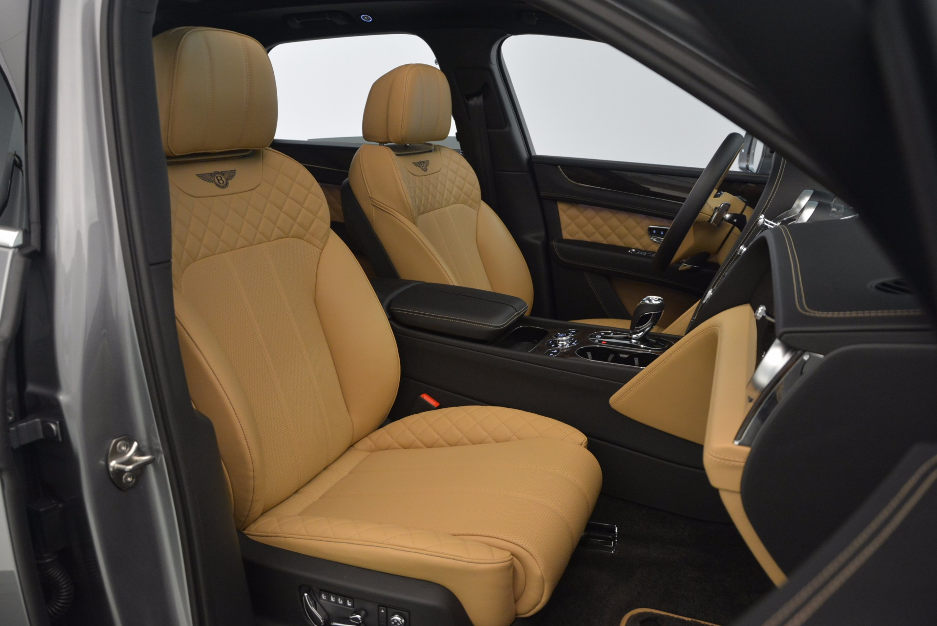 New 2018 Bentley Bentayga  For Sale In Greenwich, CT 1426_p46