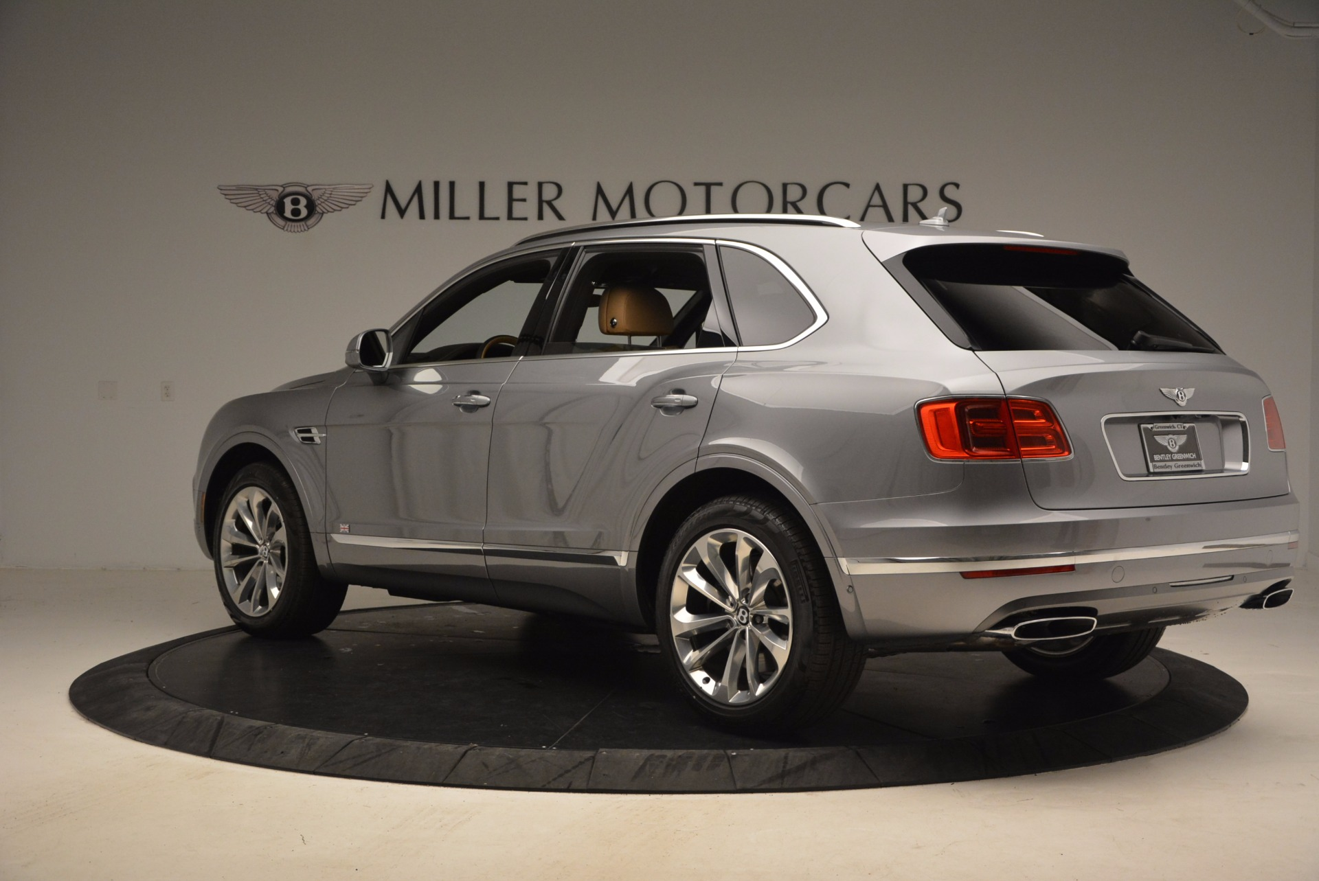 New 2018 Bentley Bentayga  For Sale In Greenwich, CT 1426_p4