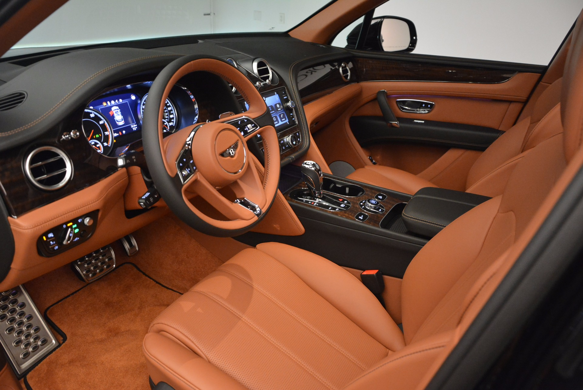 New 2018 Bentley Bentayga Onyx For Sale In Greenwich, CT 1428_p25