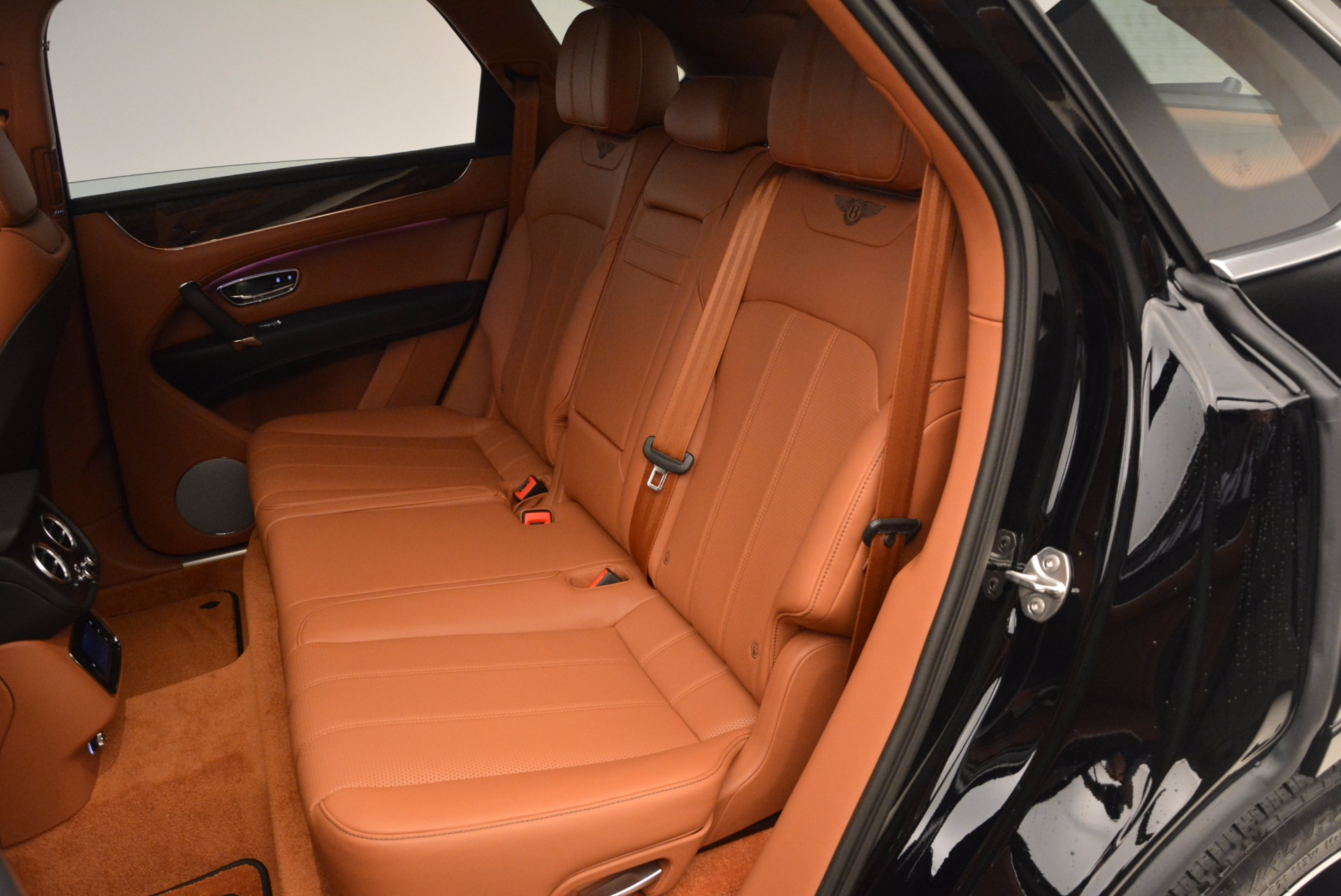New 2018 Bentley Bentayga Onyx For Sale In Greenwich, CT 1428_p29
