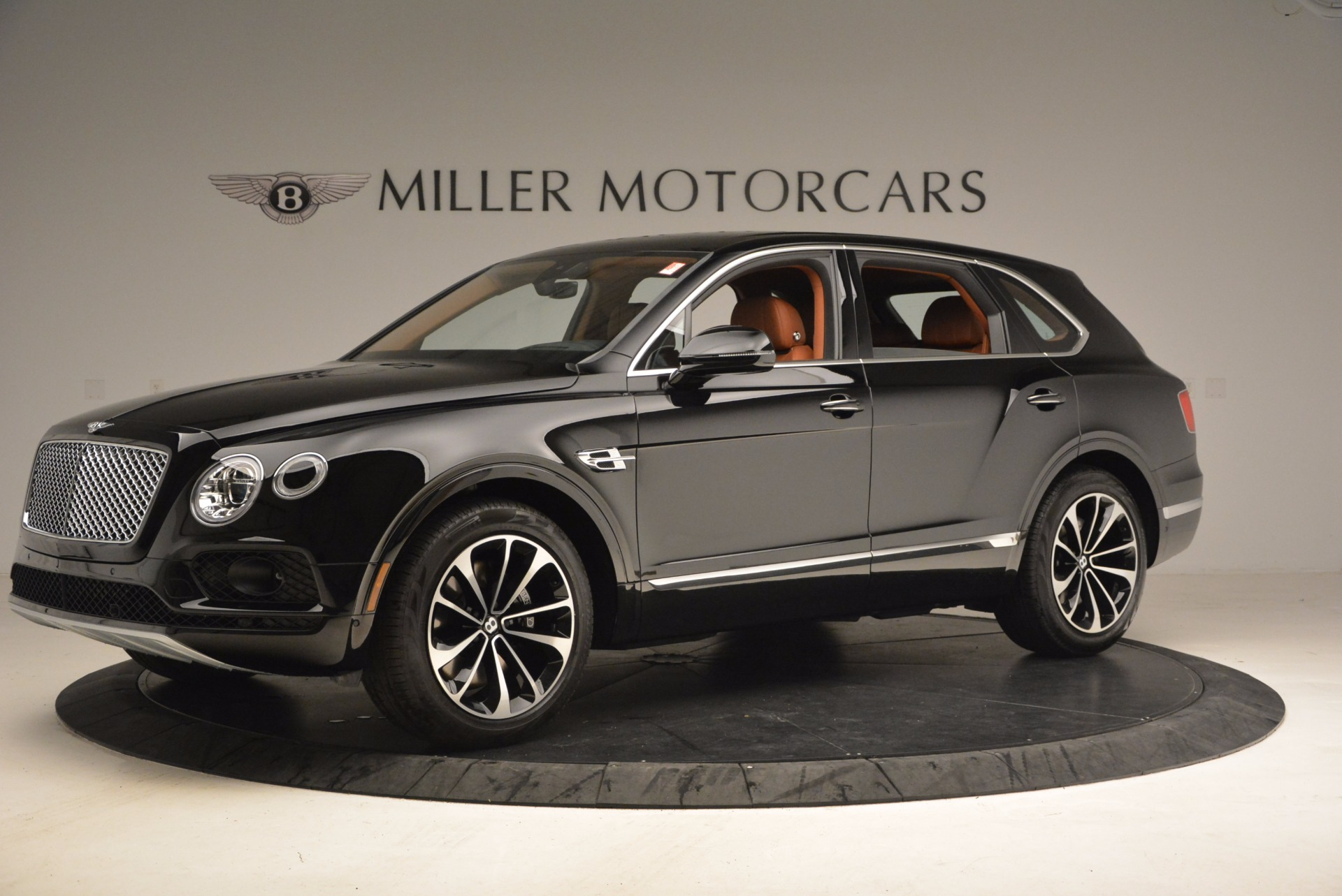 New 2018 Bentley Bentayga Onyx For Sale In Greenwich, CT 1428_p2