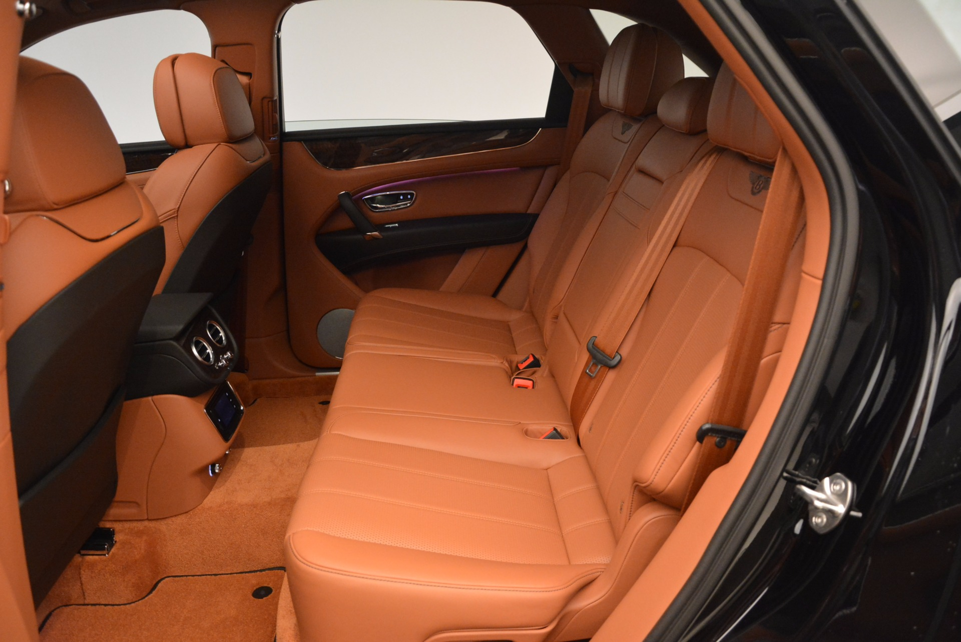 New 2018 Bentley Bentayga Onyx For Sale In Greenwich, CT 1428_p30