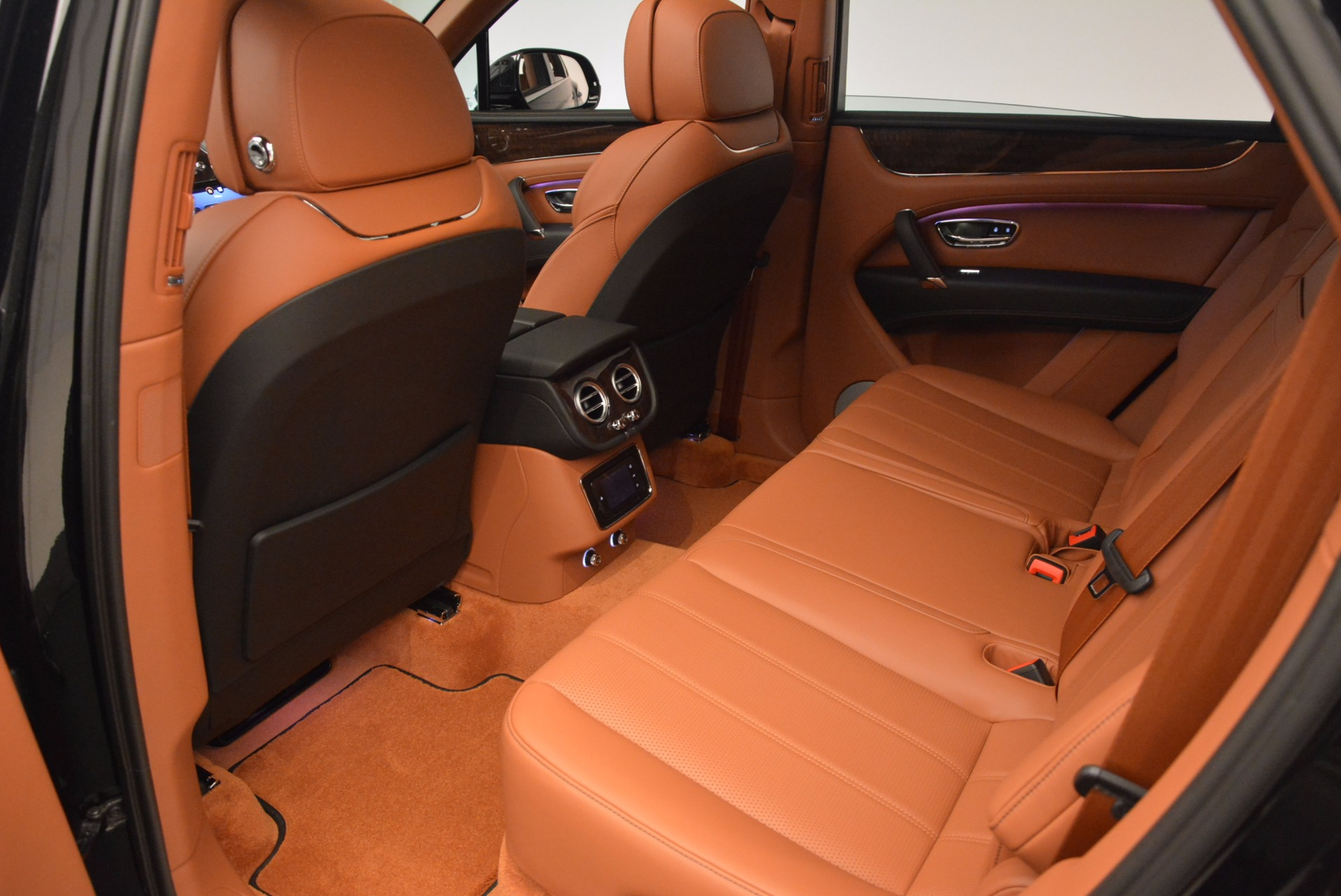 New 2018 Bentley Bentayga Onyx For Sale In Greenwich, CT 1428_p31