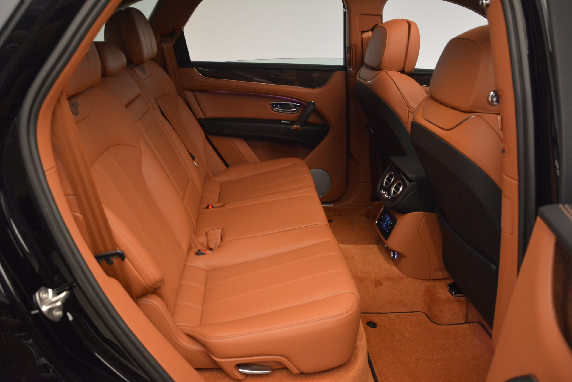 New 2018 Bentley Bentayga Onyx For Sale In Greenwich, CT 1428_p37