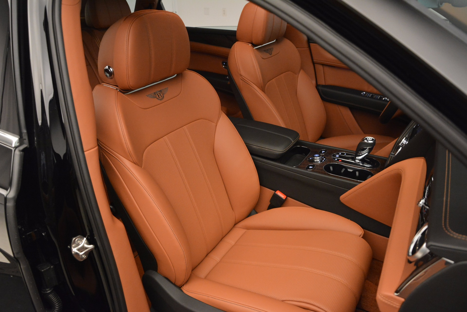 New 2018 Bentley Bentayga Onyx For Sale In Greenwich, CT 1428_p40