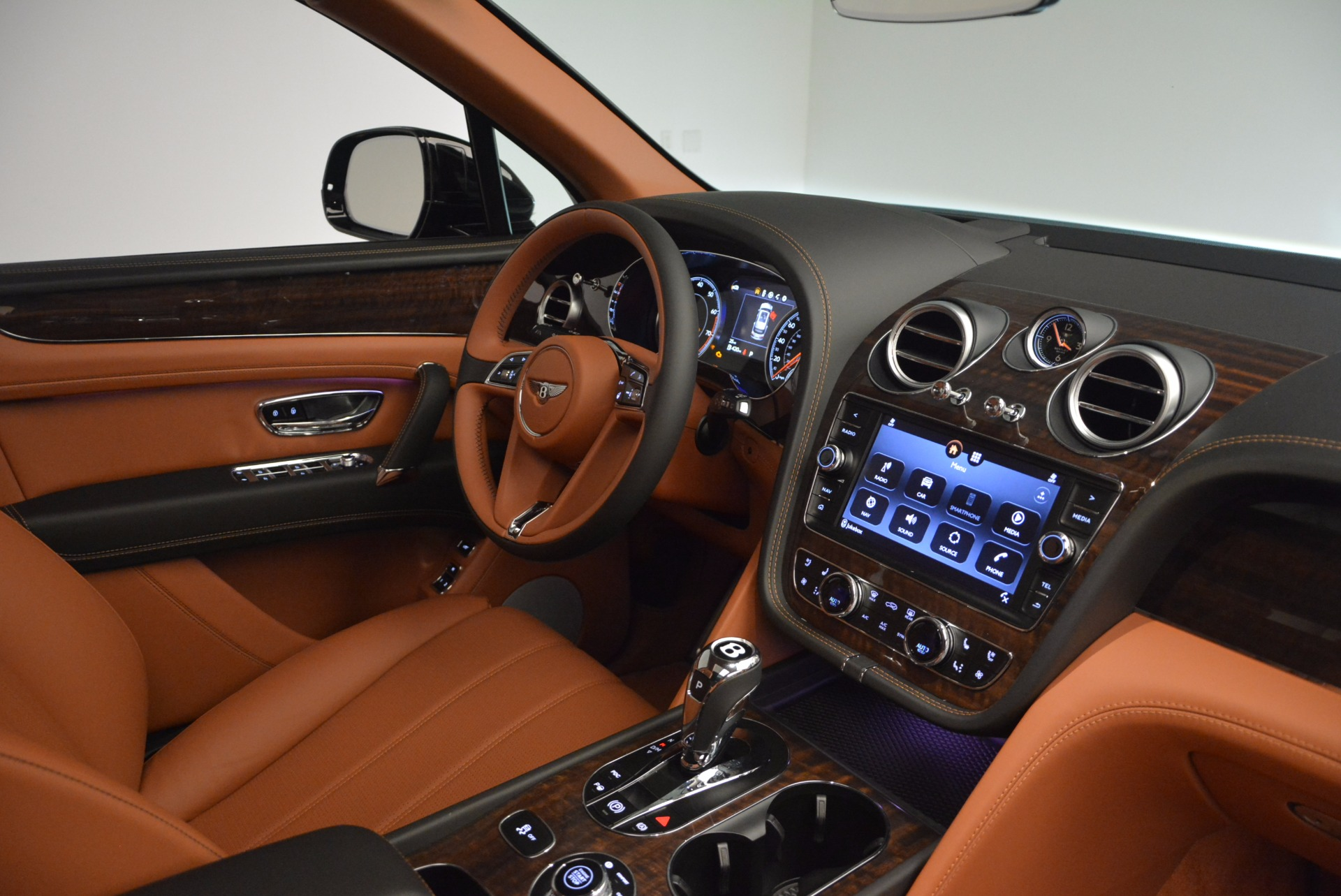 New 2018 Bentley Bentayga Onyx For Sale In Greenwich, CT 1428_p43