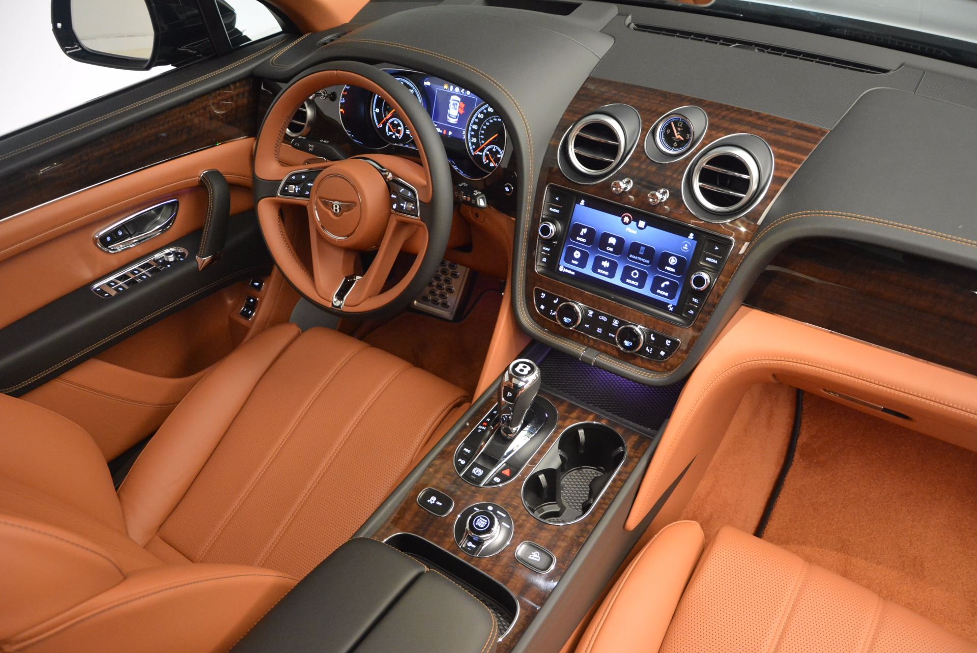 New 2018 Bentley Bentayga Onyx For Sale In Greenwich, CT 1428_p44
