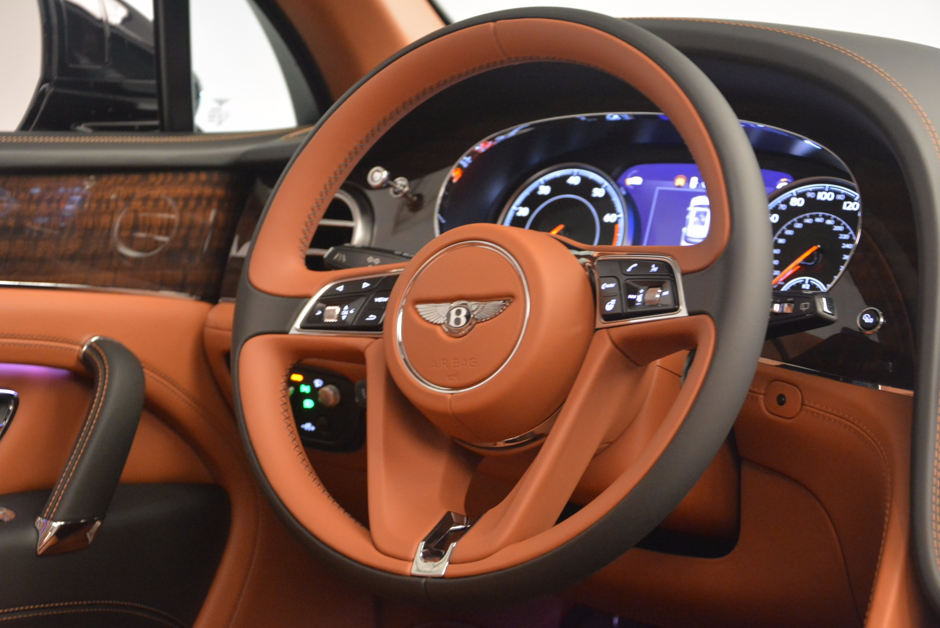 New 2018 Bentley Bentayga Onyx For Sale In Greenwich, CT 1428_p46