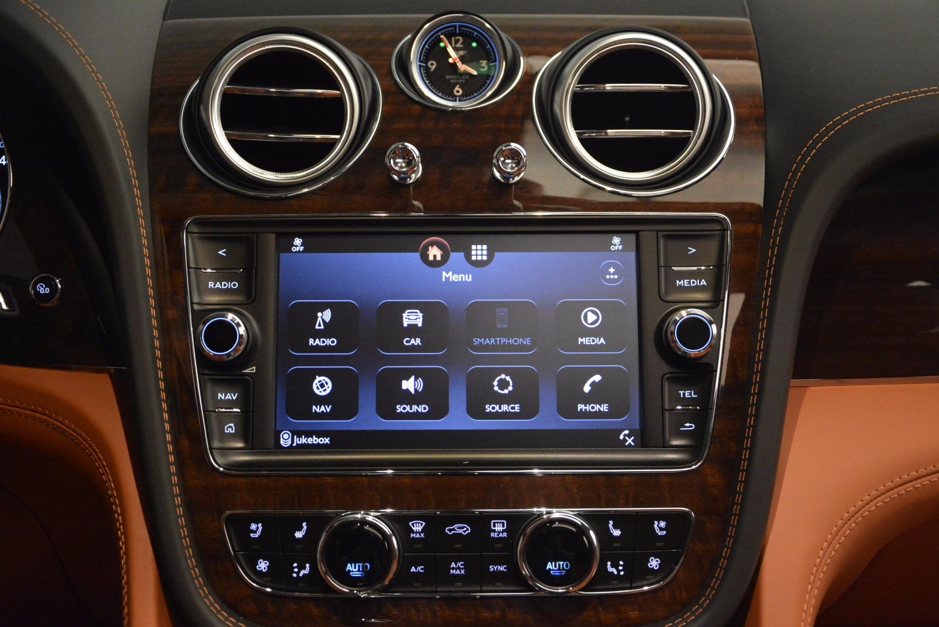 New 2018 Bentley Bentayga Onyx For Sale In Greenwich, CT 1428_p47