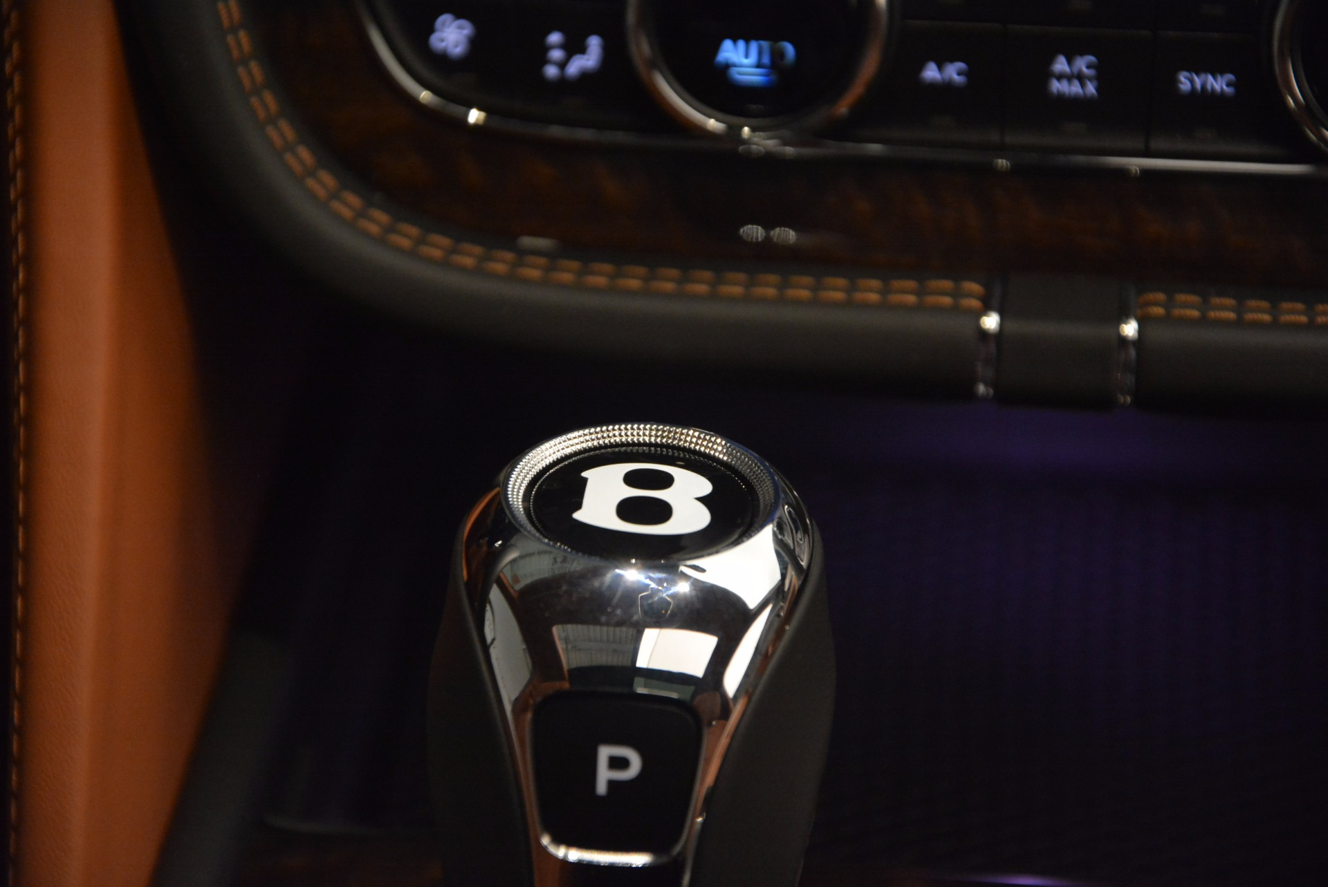 New 2018 Bentley Bentayga Onyx For Sale In Greenwich, CT 1428_p50