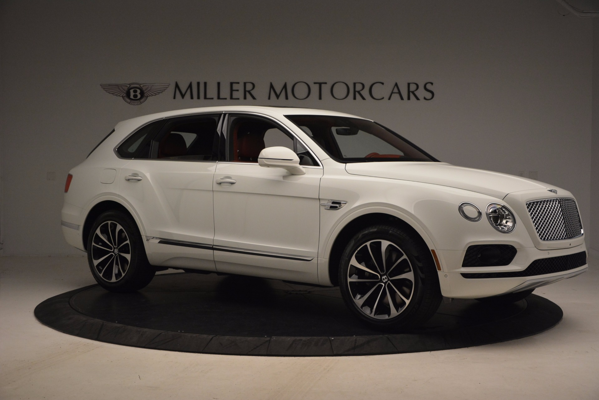 New 2018 Bentley Bentayga Onyx Edition For Sale In Greenwich, CT 1429_p10